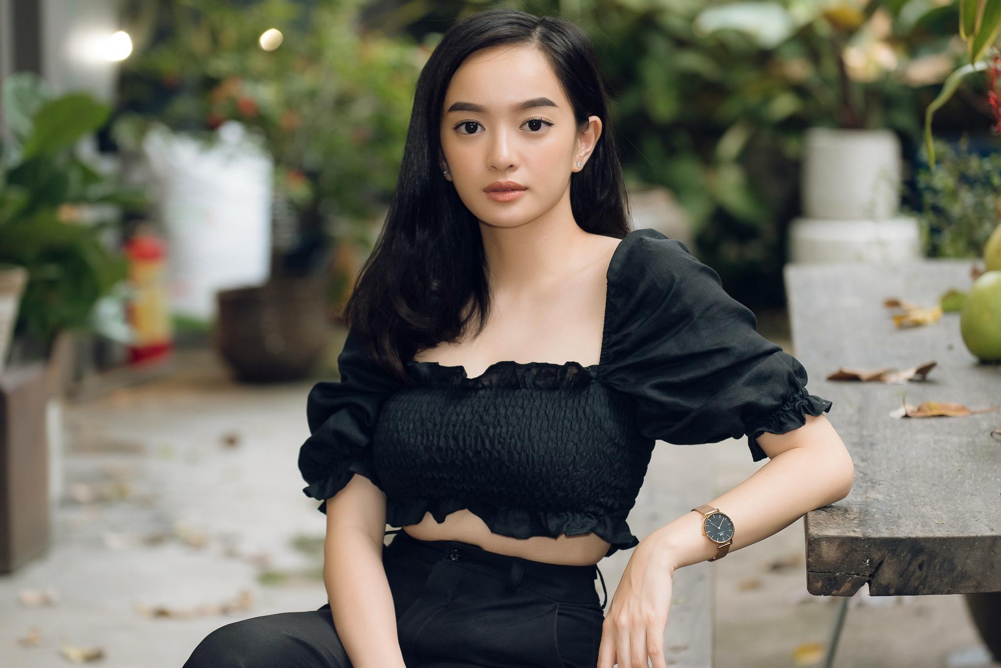 Kaity Nguyen: 'Doi khi toi kho chiu vi bi ba kiem soat cat-xe' hinh anh 19