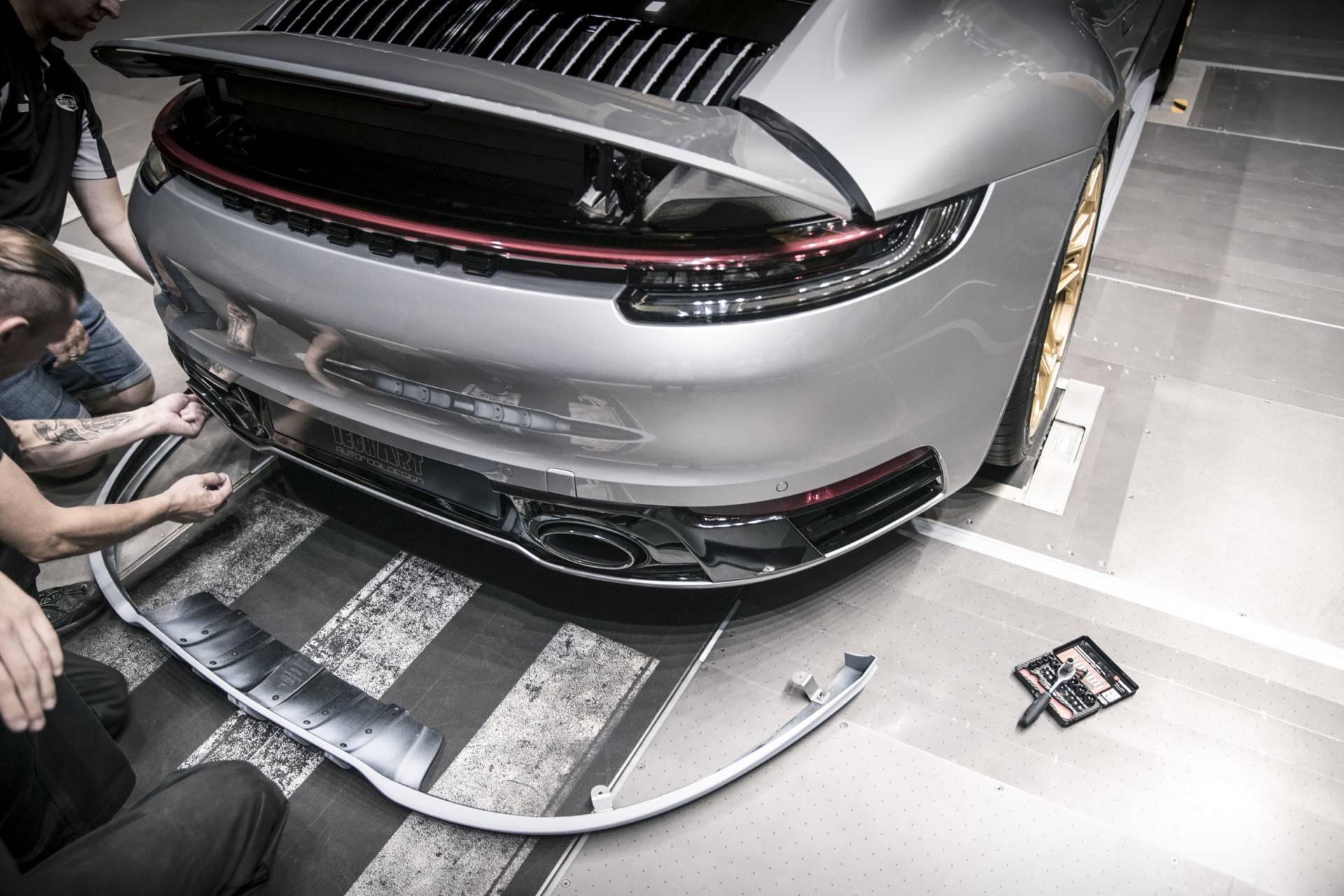Chi tiet Porsche 911 2020 lot xac man nhan voi goi do thu cong hinh anh 12