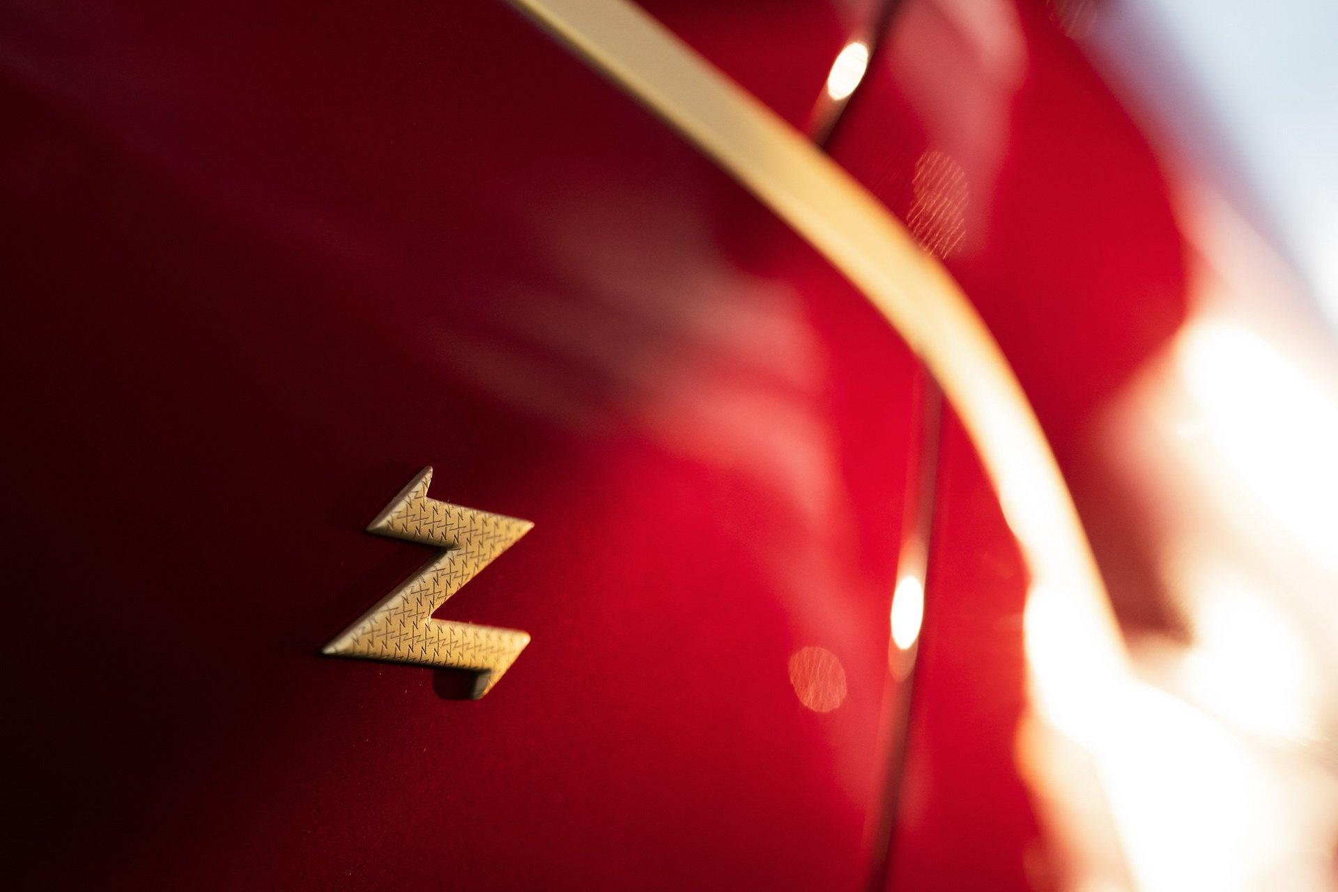 Aston Martin ra mat sieu xe dat vang gia trieu USD hinh anh 15