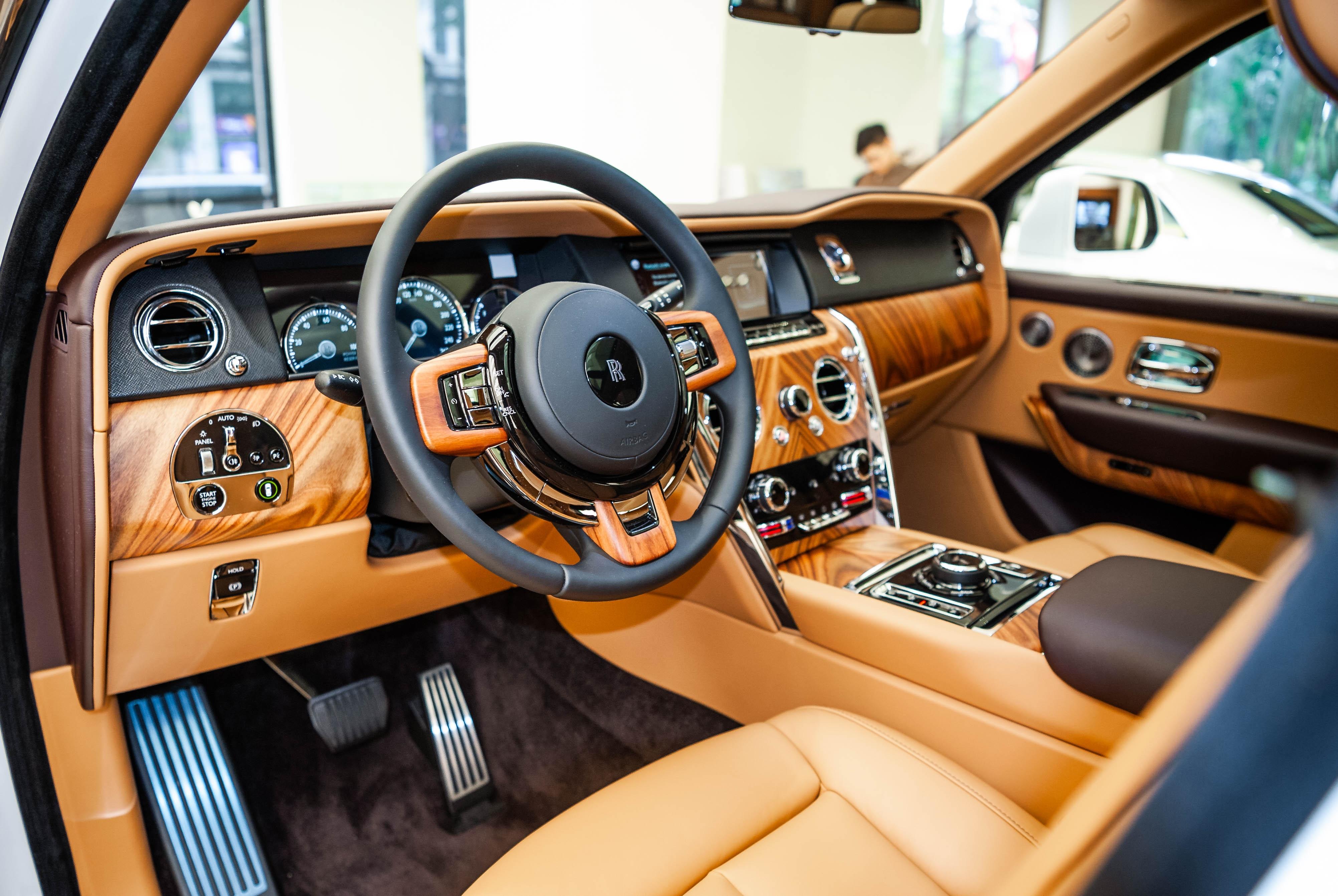 Chi tiet Rolls-Royce Cullinan chinh hang o VN anh 27