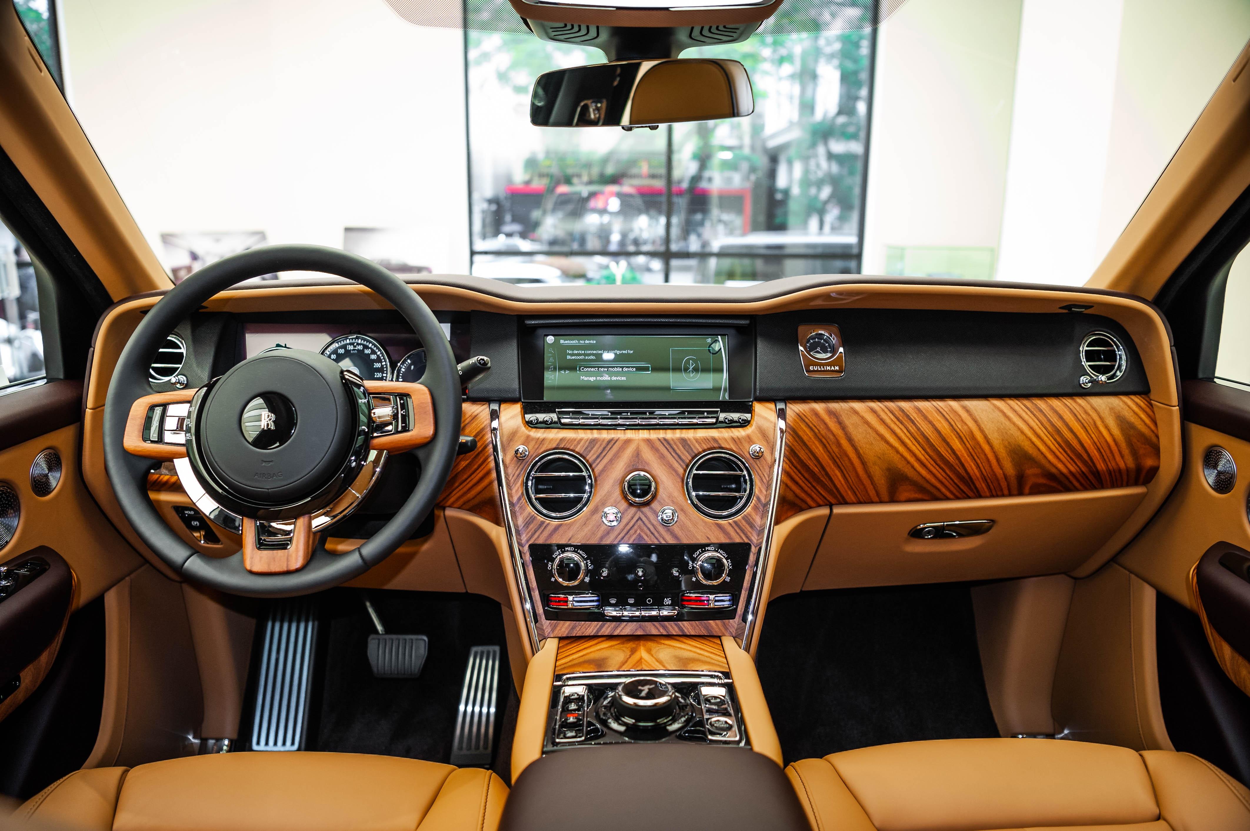 Chi tiet Rolls-Royce Cullinan chinh hang o VN anh 25