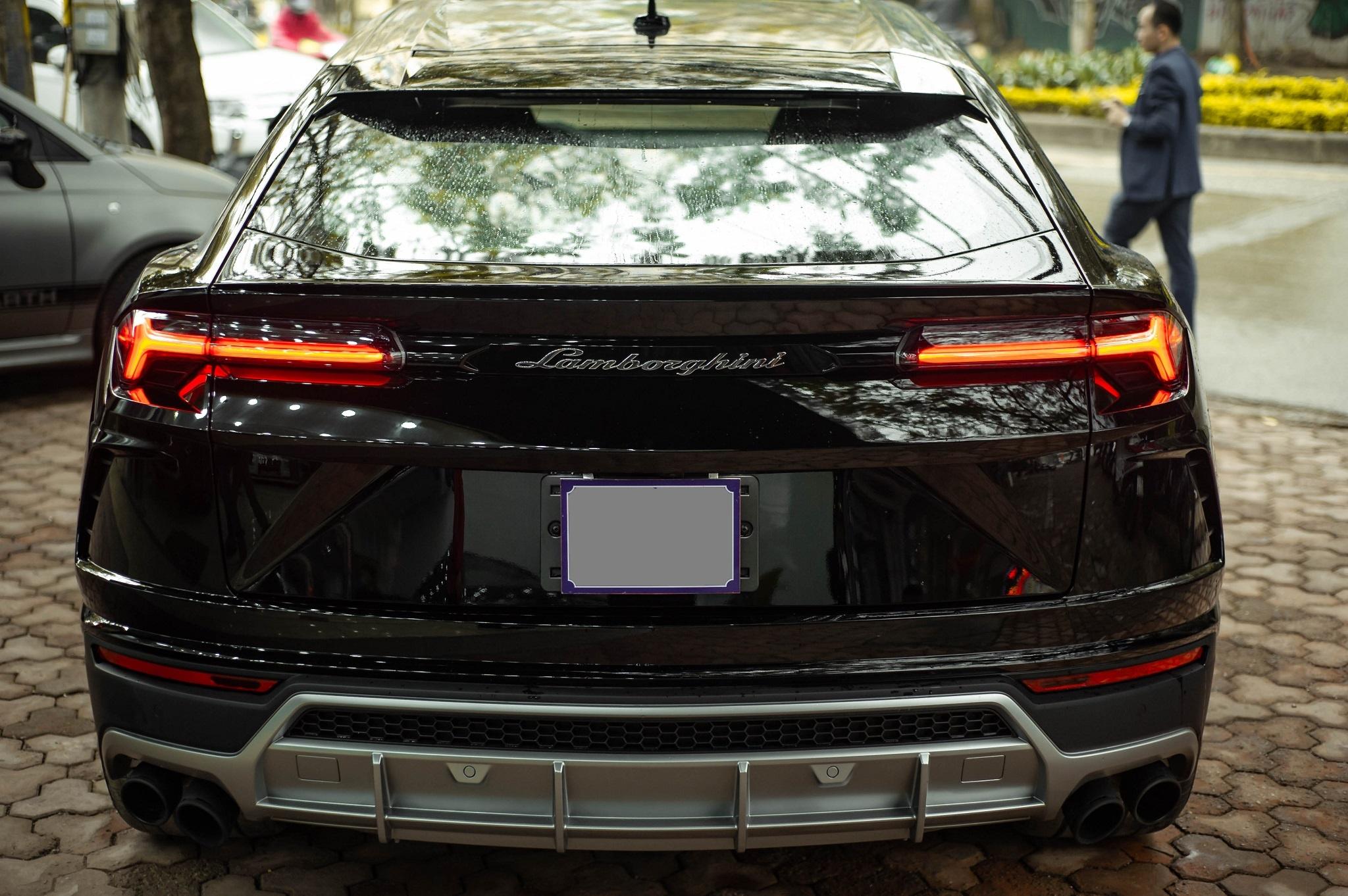 Ngam Lamborghini Urus mau den dau tien ve VN, gia khoang 1 trieu USD hinh anh 16 1_zing_21_.jpg
