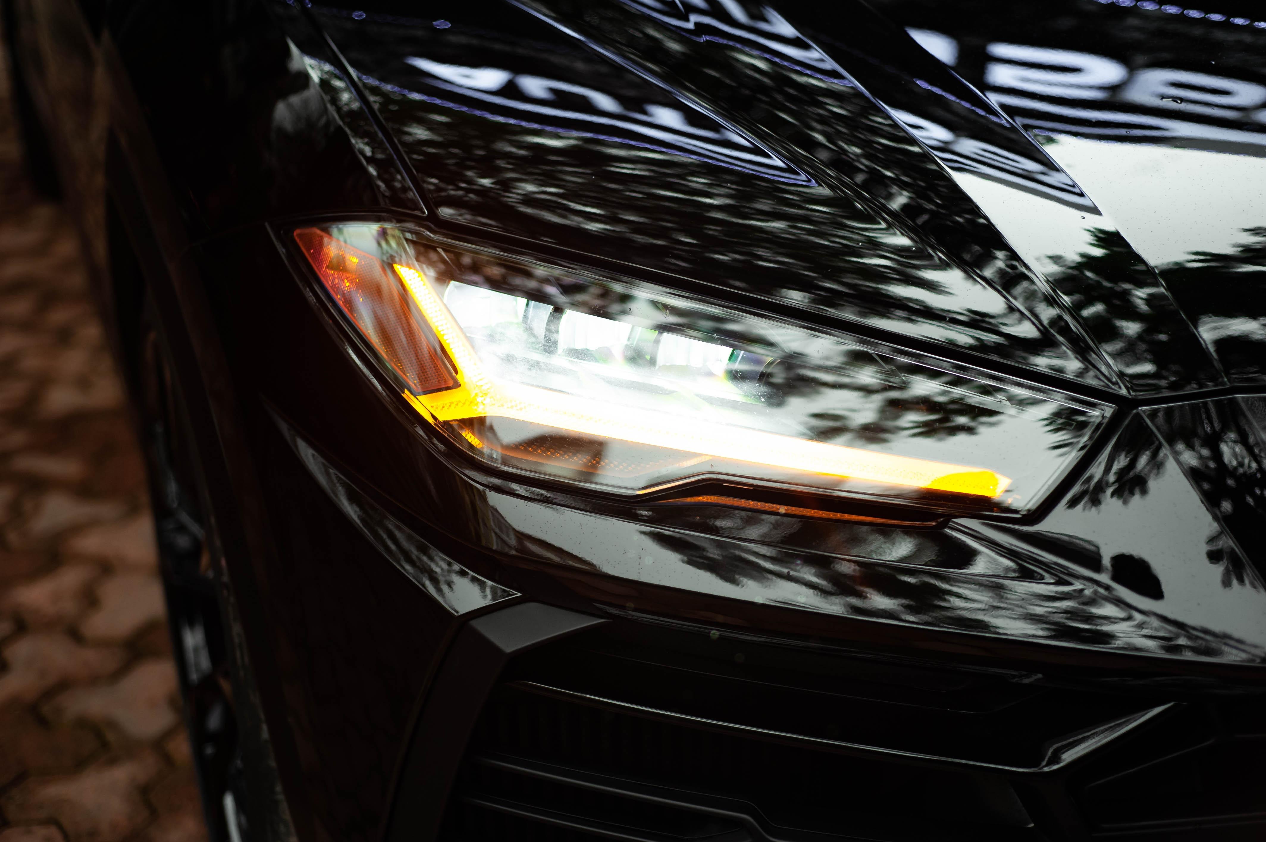 Ngam Lamborghini Urus mau den dau tien ve VN, gia khoang 1 trieu USD hinh anh 4 Urus_zing_22_.jpg