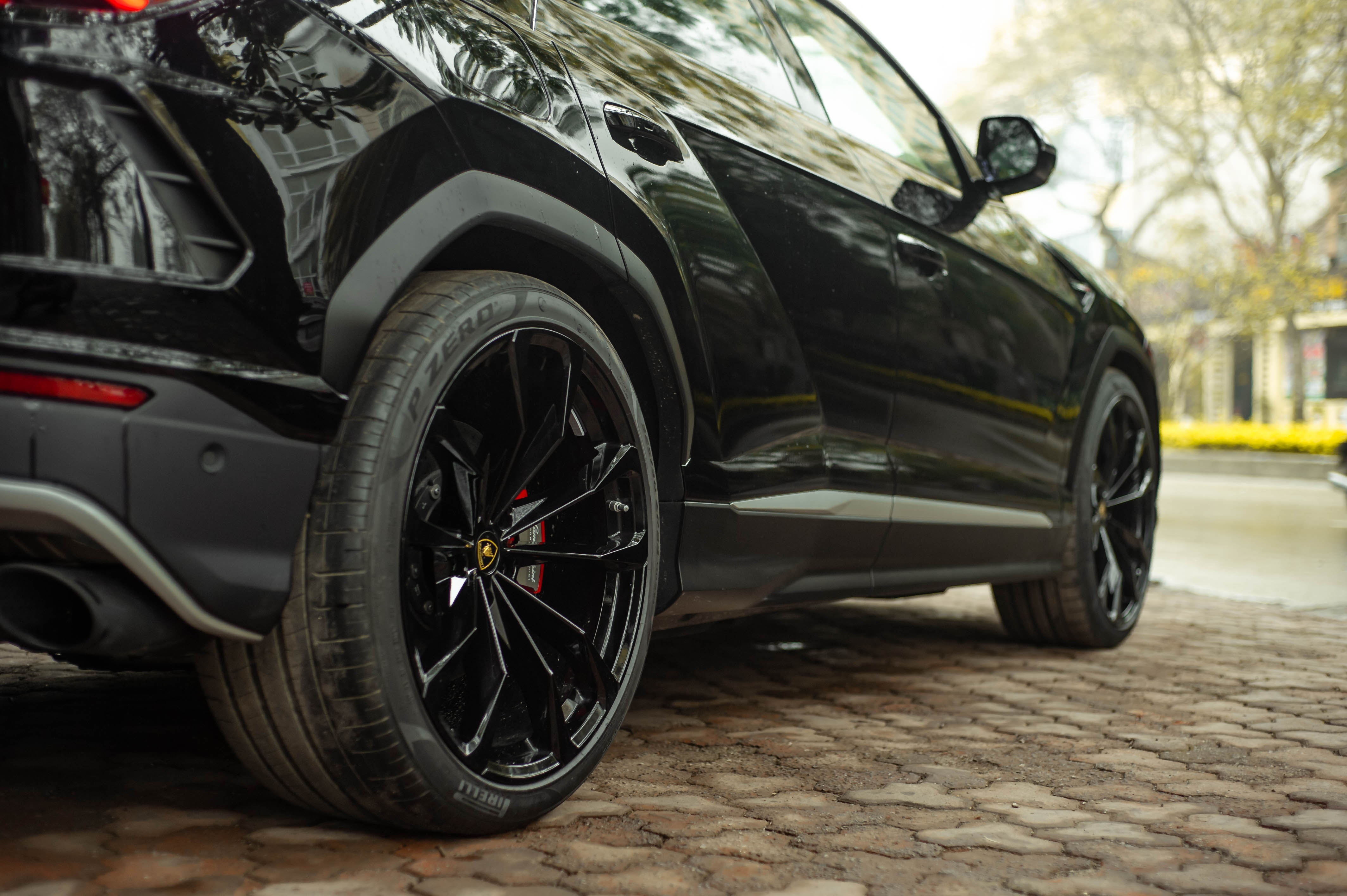 Ngam Lamborghini Urus mau den dau tien ve VN, gia khoang 1 trieu USD hinh anh 6 Urus_zing_58_.jpg