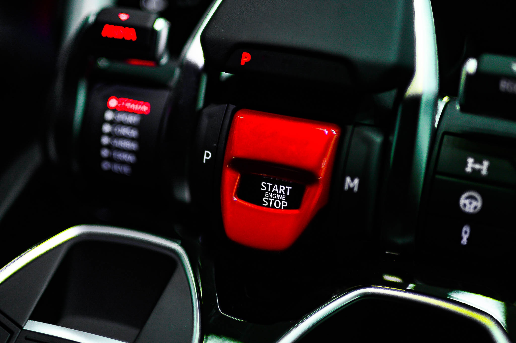 Ngam Lamborghini Urus mau den dau tien ve VN, gia khoang 1 trieu USD hinh anh 39 Urus_zing_5_.jpg