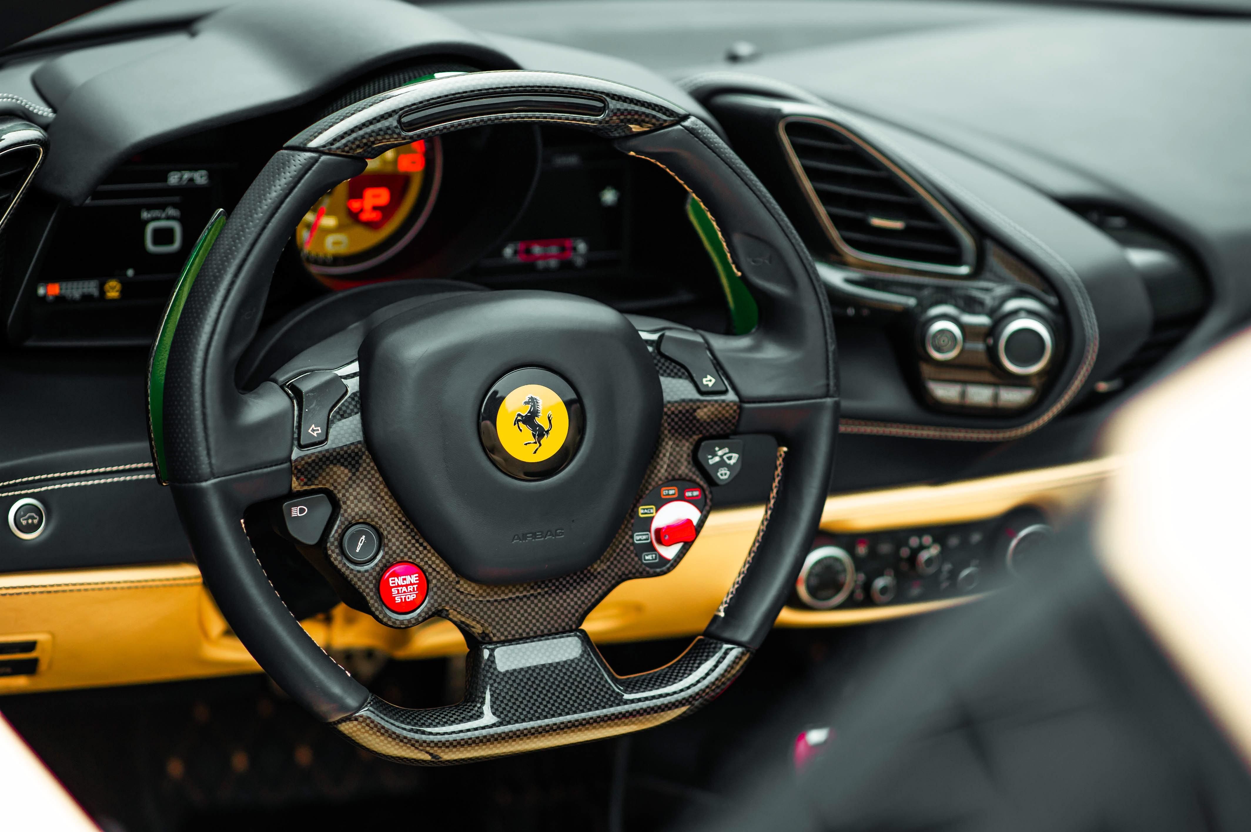 Ferrari 488 Spider dau tien VN thay doi ngoai hinh anh 39