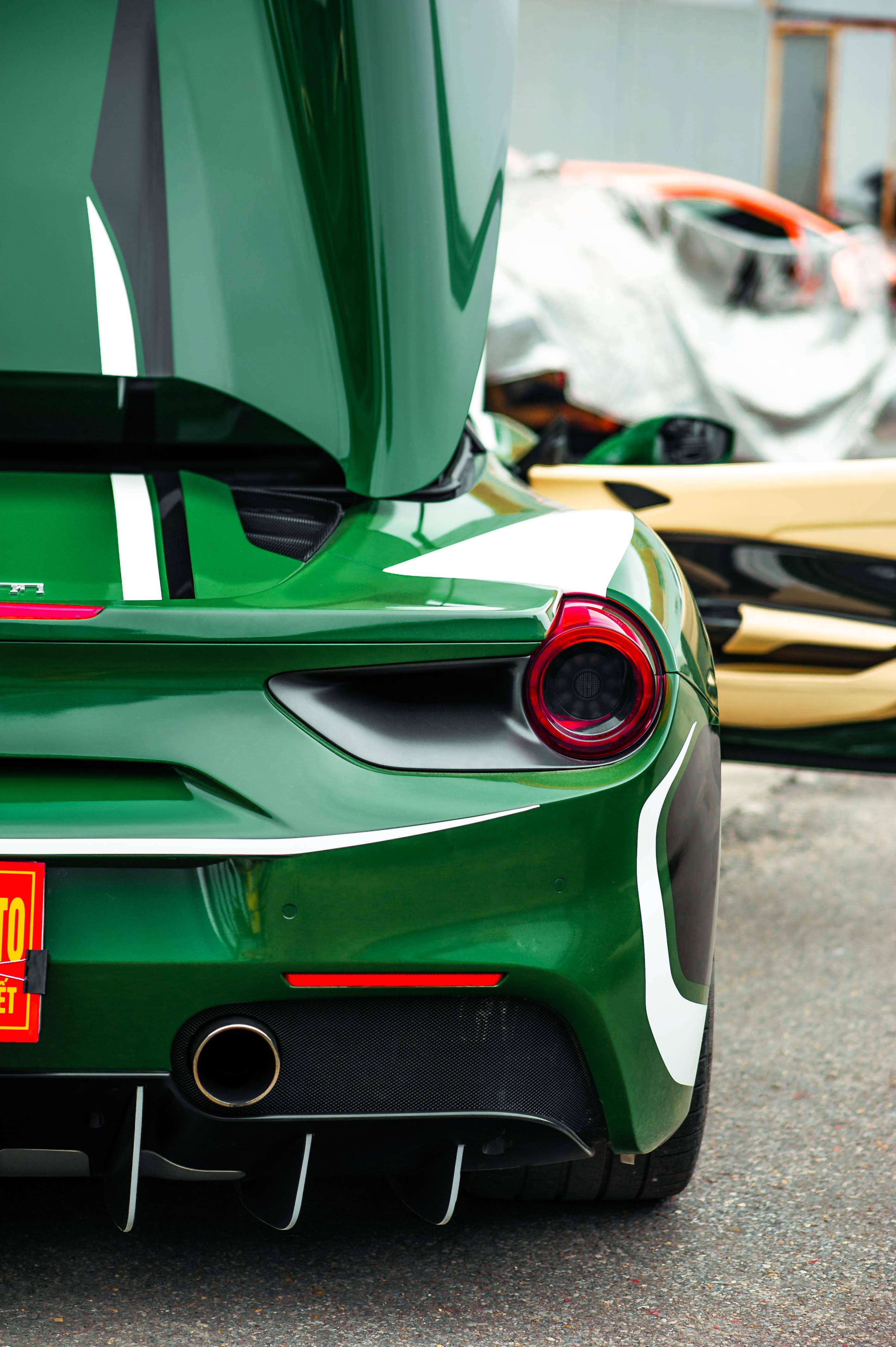 Ferrari 488 Spider dau tien VN thay doi ngoai hinh anh 11