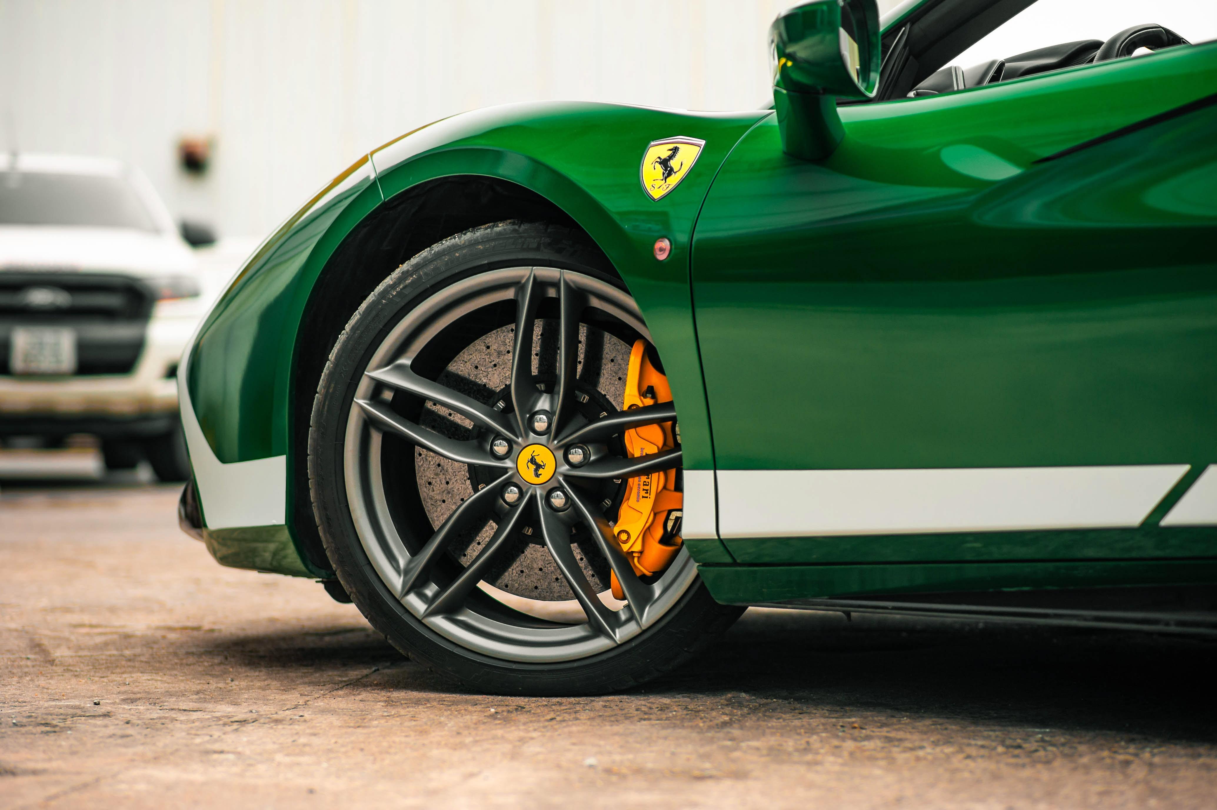 Ferrari 488 Spider dau tien VN thay doi ngoai hinh anh 17