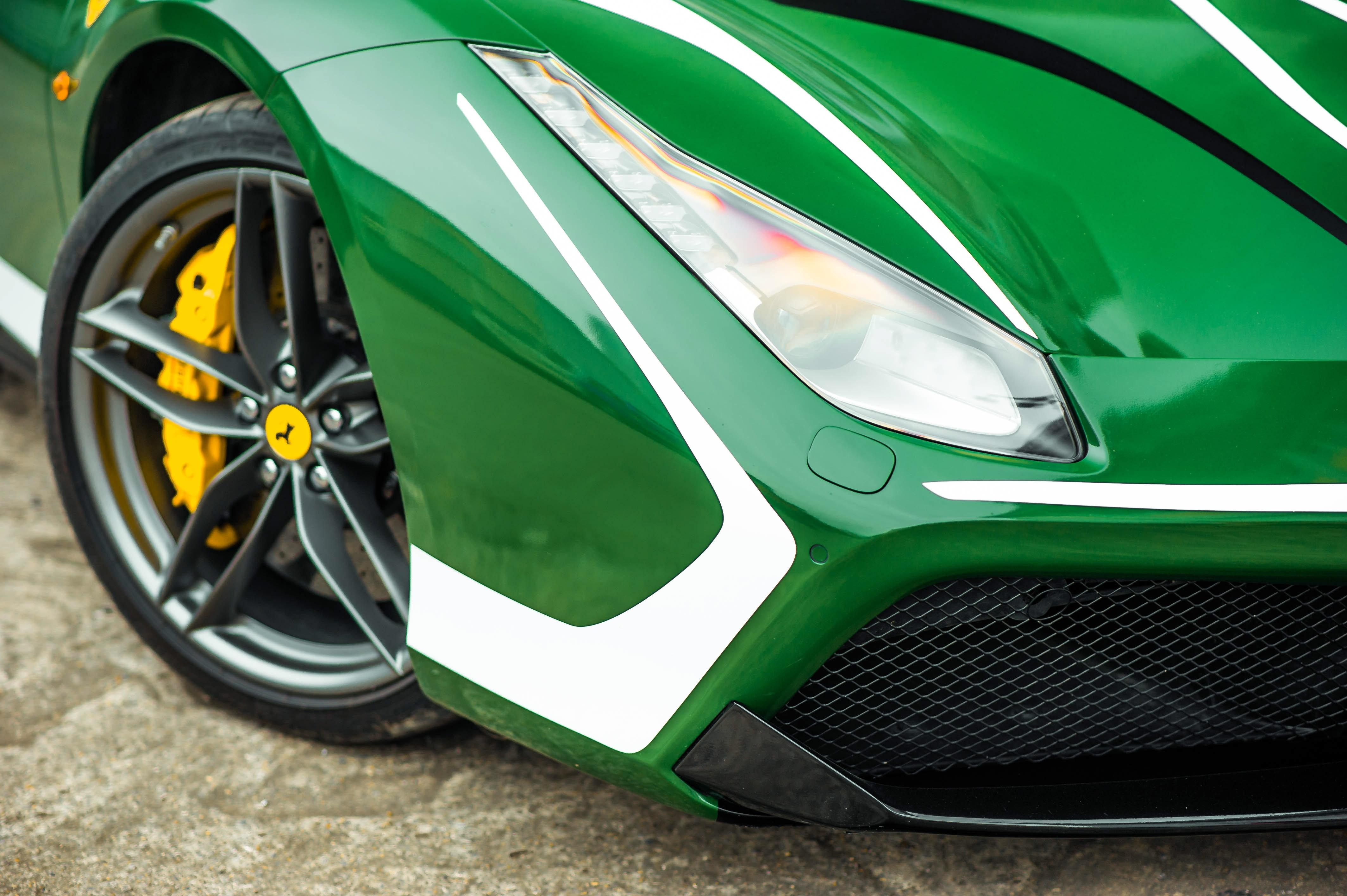 Ferrari 488 Spider dau tien VN thay doi ngoai hinh anh 14