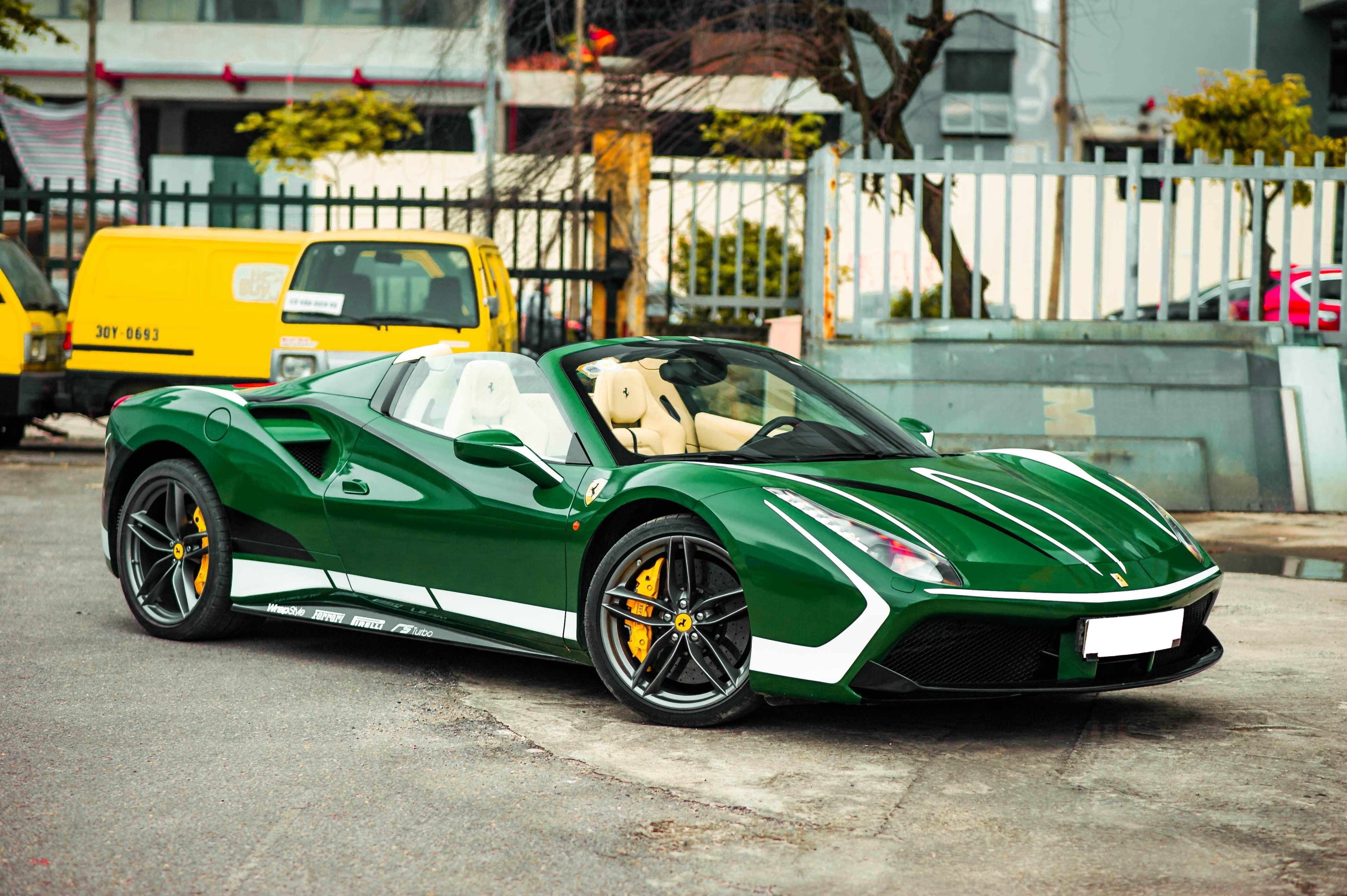 Ferrari 488 Spider dau tien VN thay doi ngoai hinh anh 8