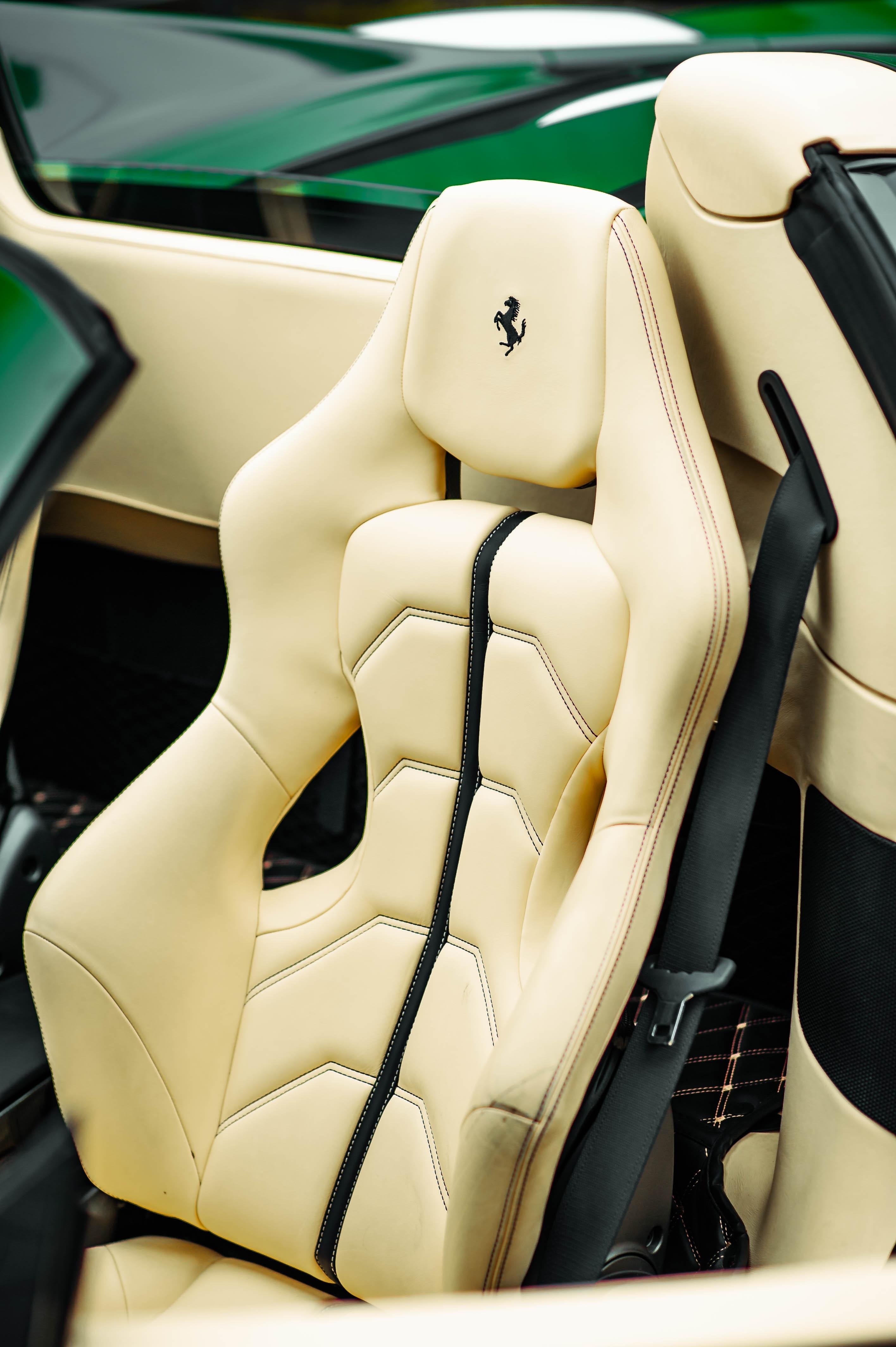 Ferrari 488 Spider dau tien VN thay doi ngoai hinh anh 29
