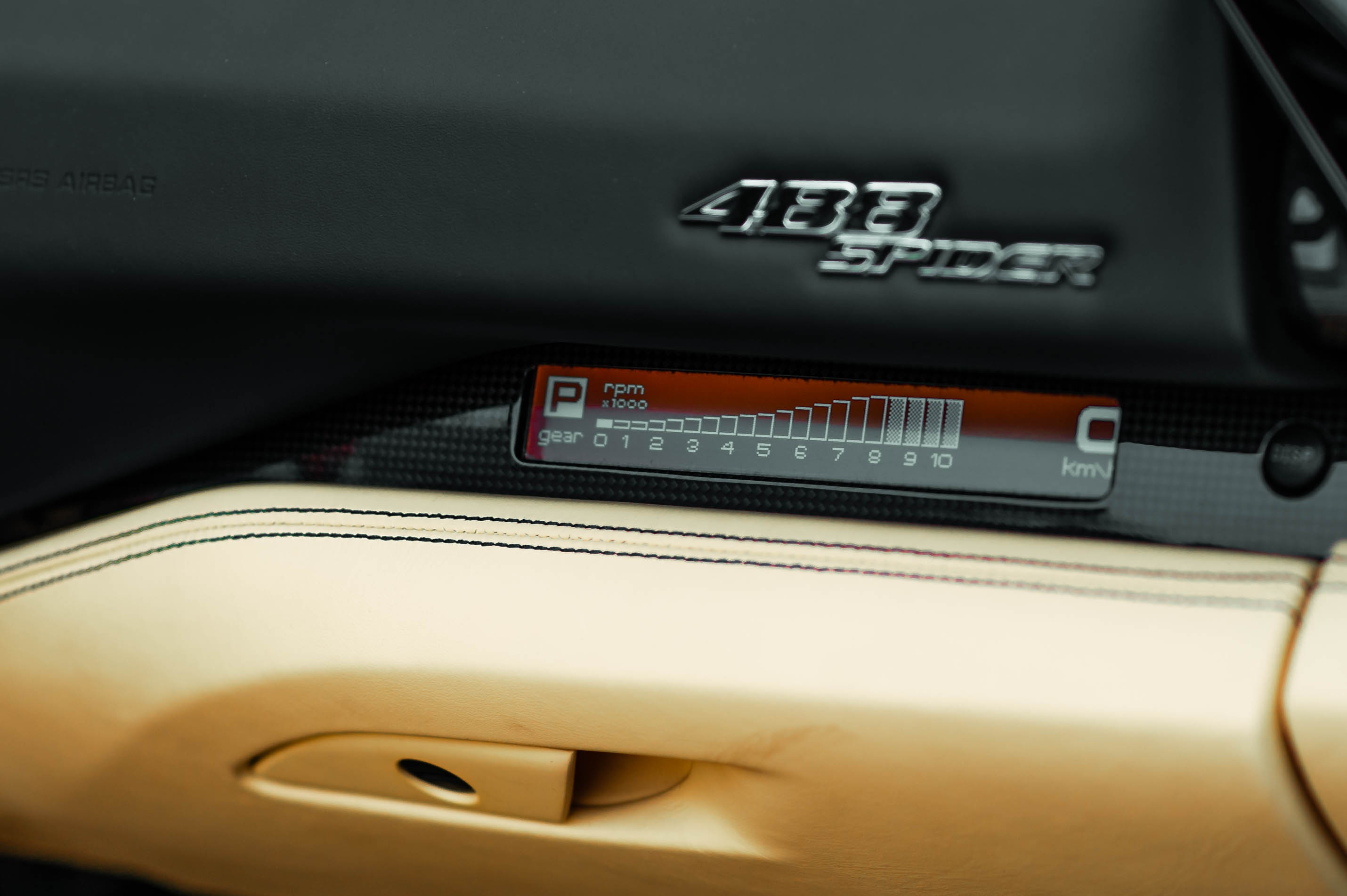 Ferrari 488 Spider dau tien VN thay doi ngoai hinh anh 30