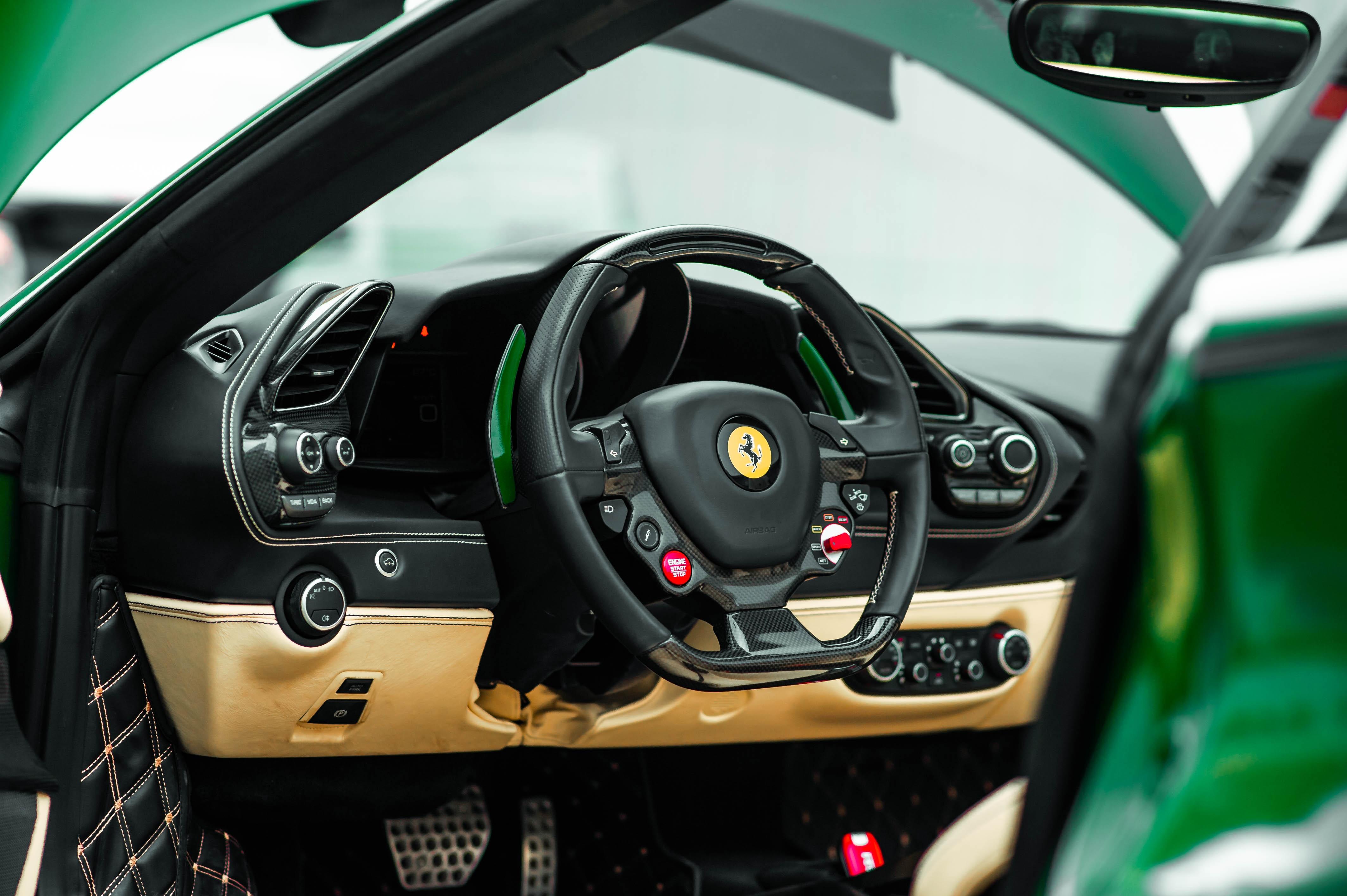 Ferrari 488 Spider dau tien VN thay doi ngoai hinh anh 26