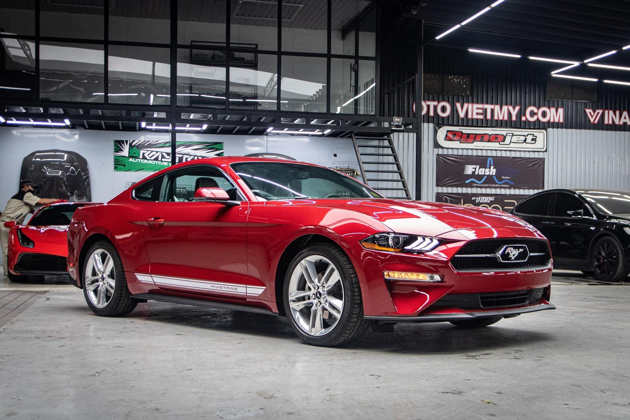 Ford Mustang 2020 phien ban ky niem vua ve VN, gia hon 3 ty hinh anh 2 Mustang_55_edition_zing_27_.jpg