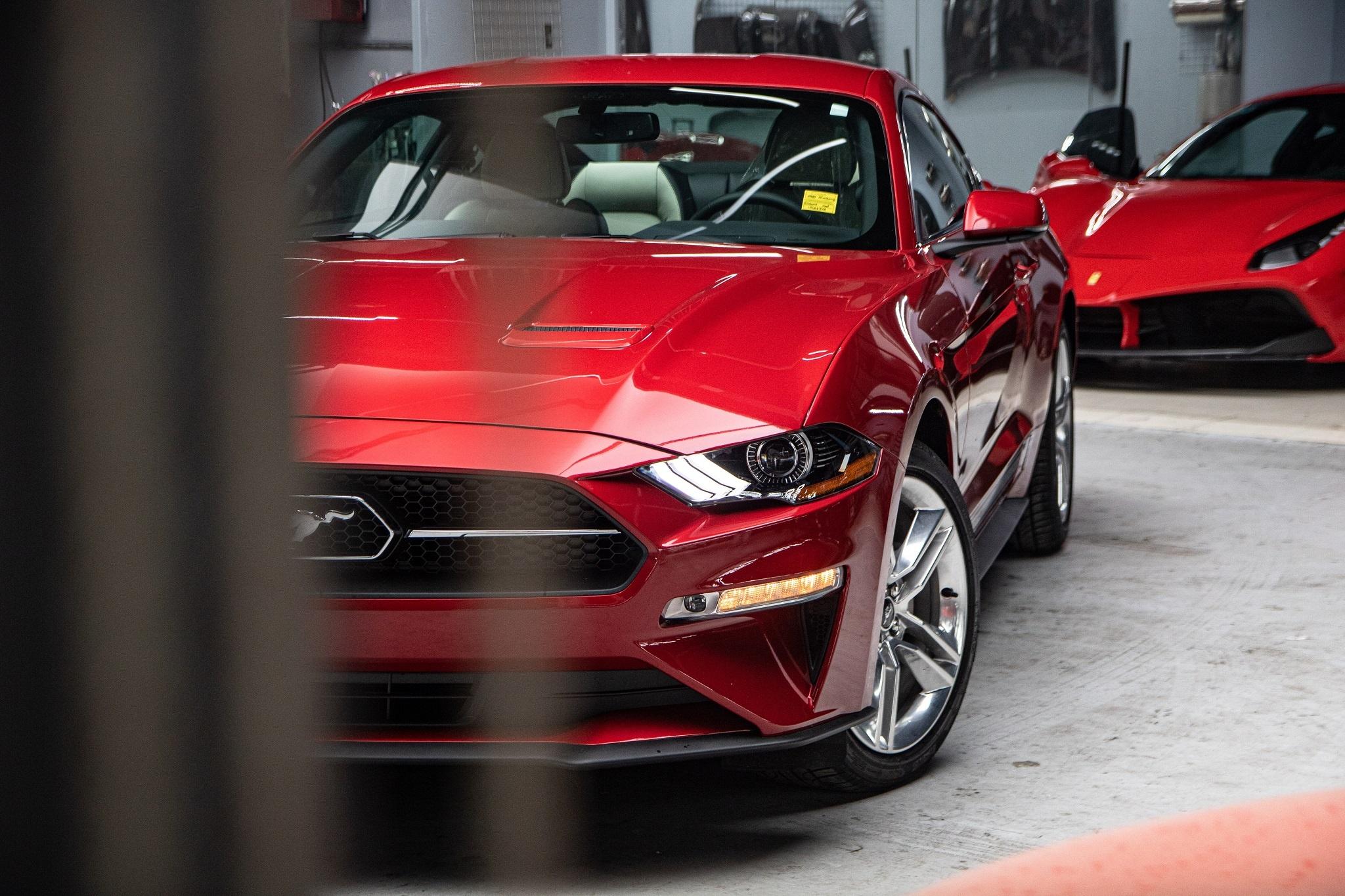 Ford Mustang 2020 phien ban ky niem vua ve VN, gia hon 3 ty hinh anh 13 Mustang_55_edition_zing_9_.jpg