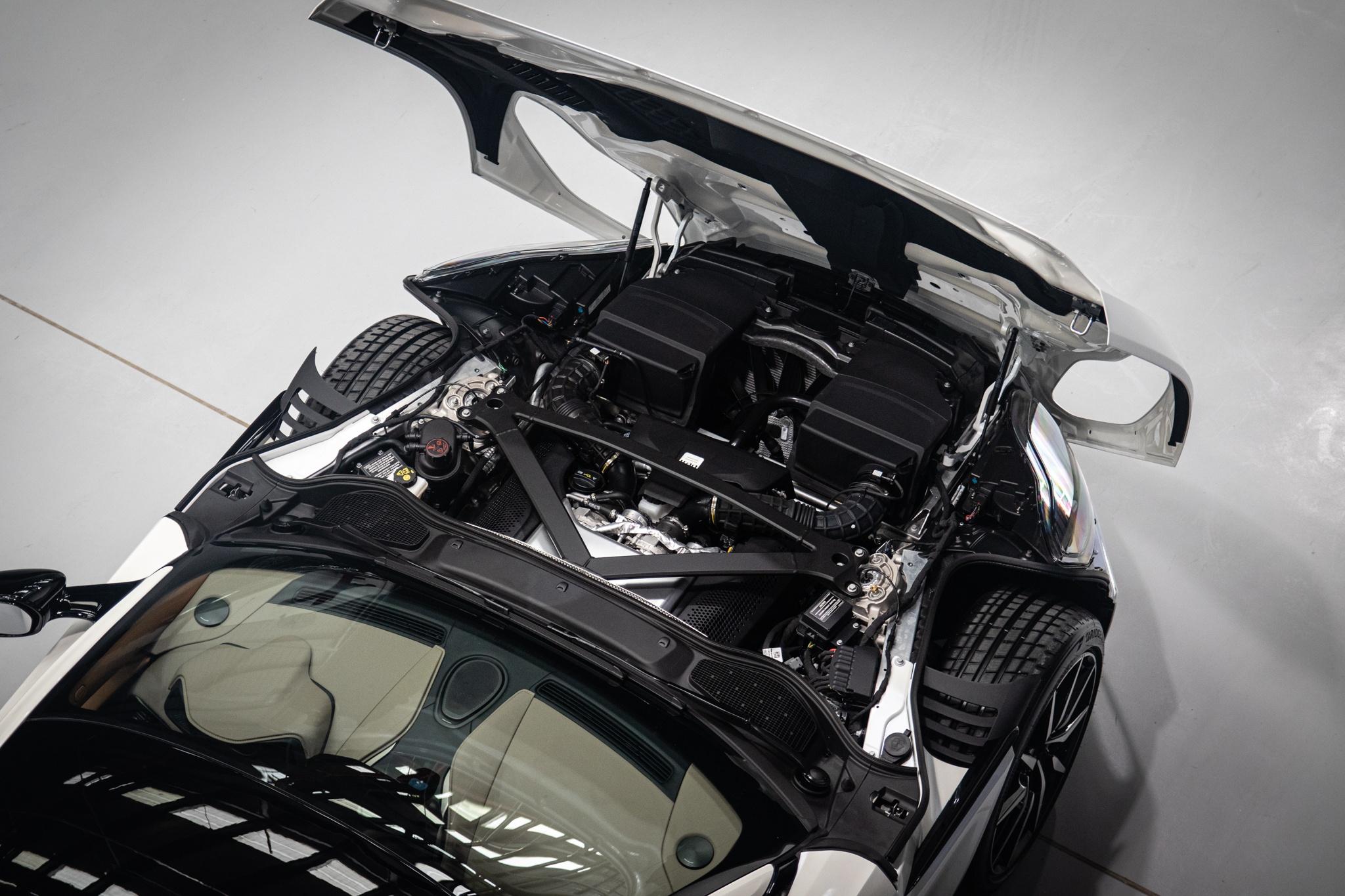 Can canh sieu xe Aston Martin DB11 thu 6 ve VN anh 32