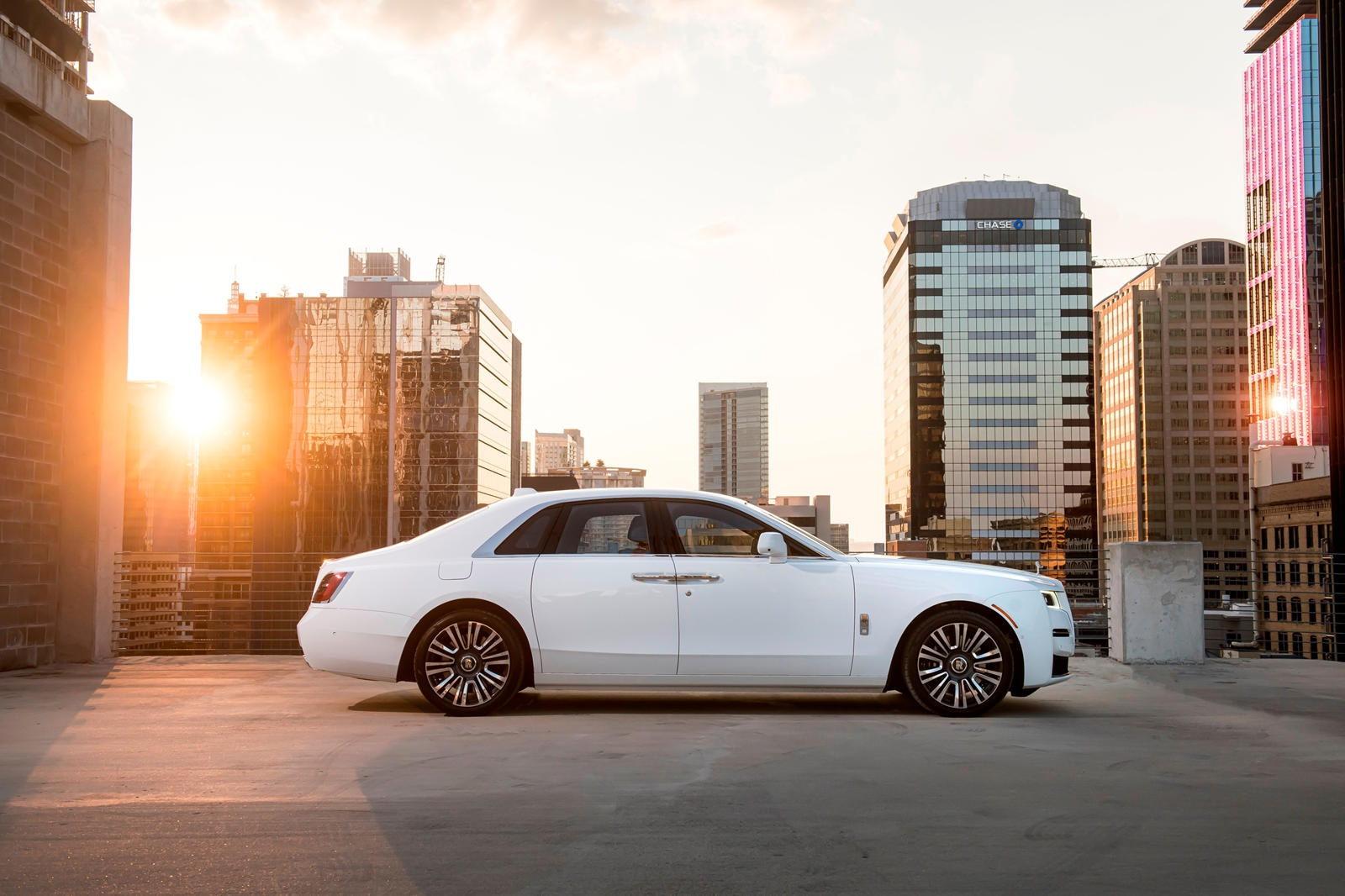 Danh gia Rolls-Royce Ghost 2021 anh 3