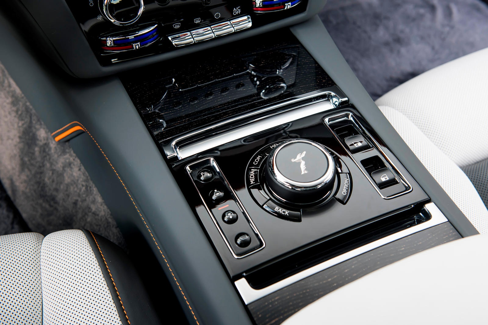 Danh gia Rolls-Royce Ghost 2021 anh 33