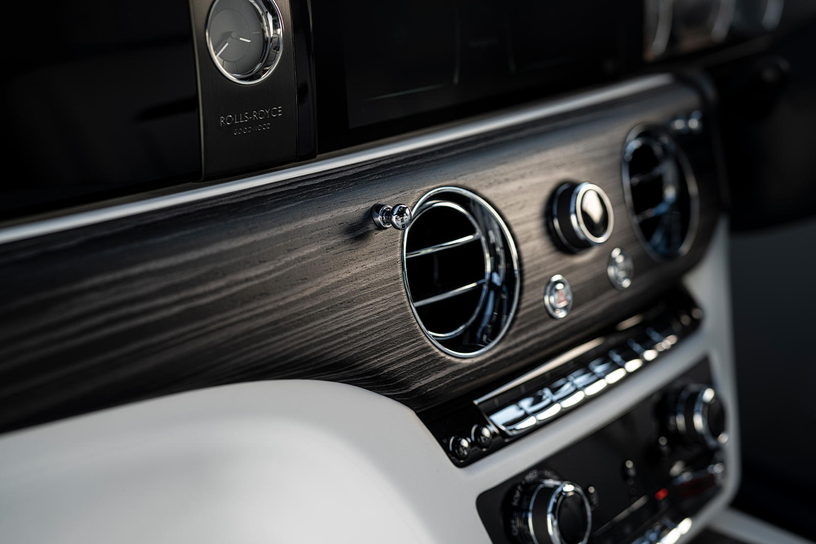 Danh gia Rolls-Royce Ghost 2021 anh 36