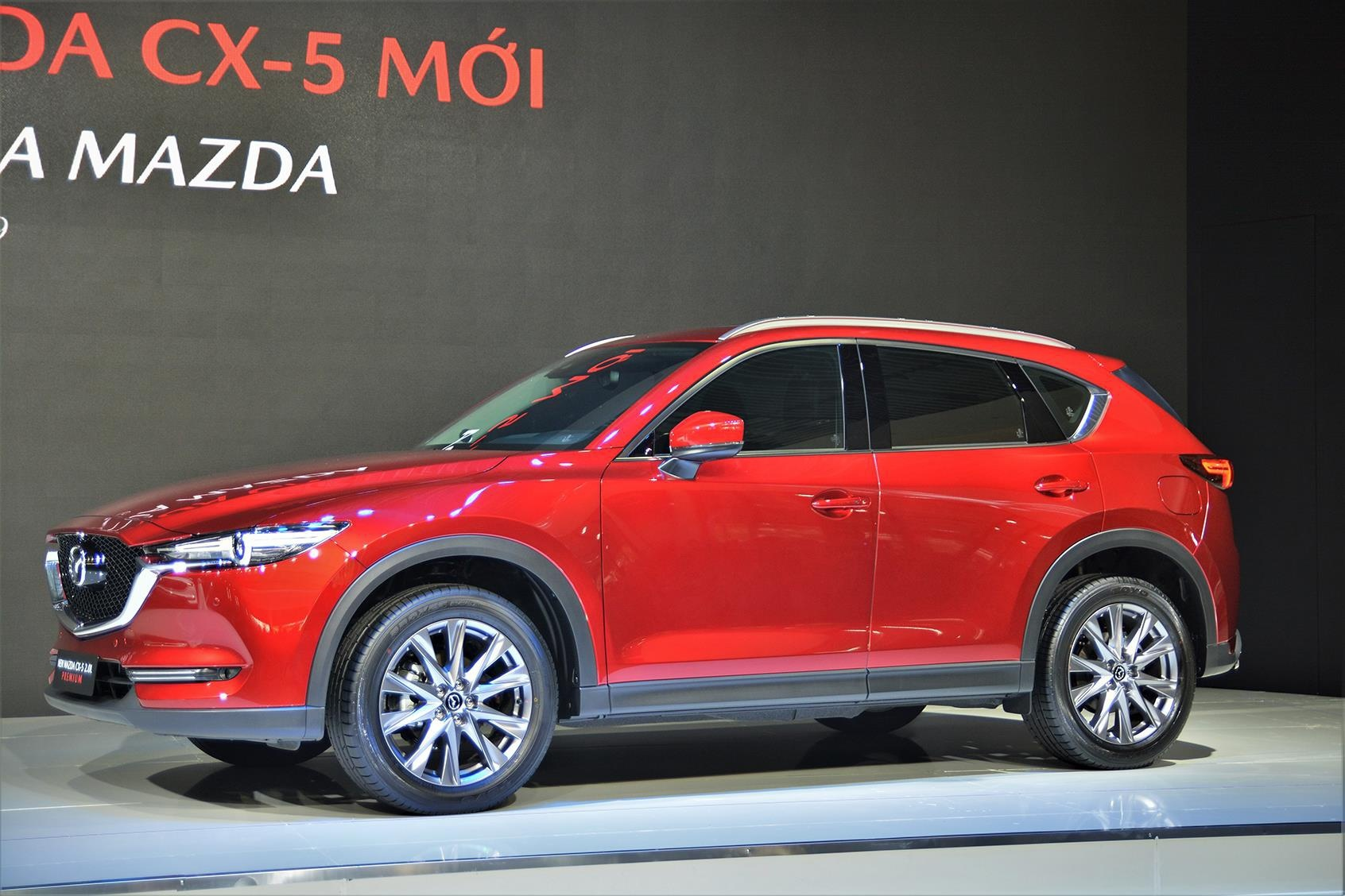 6. Mazda CX-5: 1.671 xeSự hụt hơi của Hyundai SantaFe, Tucson hay VinFast Lux SA2.0 tạo cơ hội để Mazda CX-5 cải thiện vị thế. Từ bậc