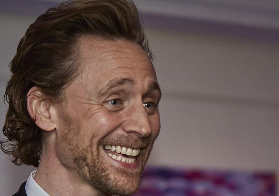 Ngoại hình Tom Hiddleston