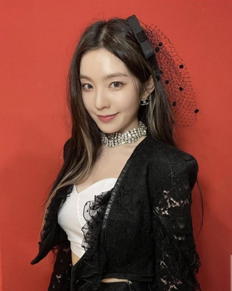 Red Velvet anh 1
