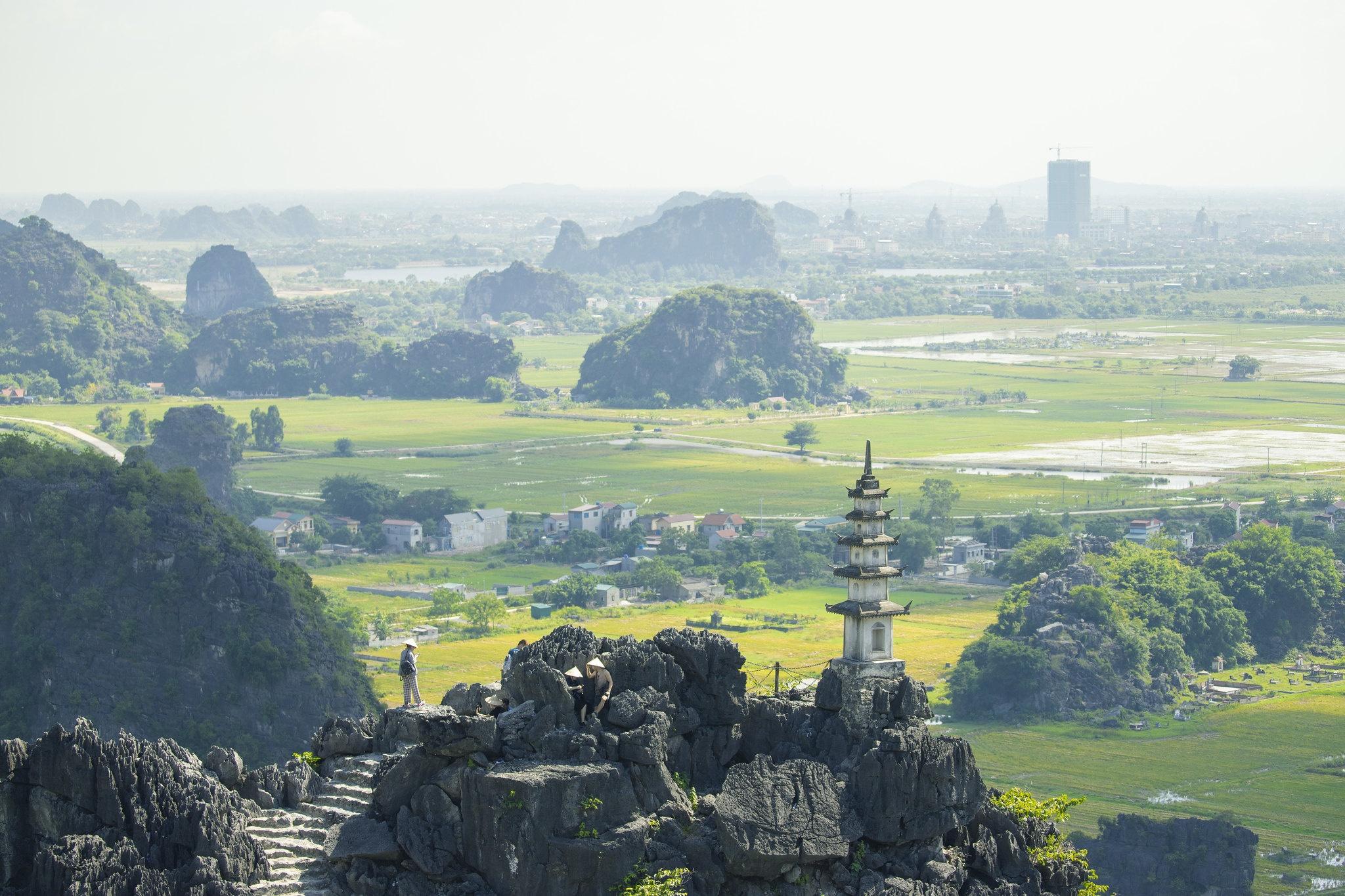 Cảnh đẹp ở cánh đồng sen Ninh Bình - Ảnh 7.