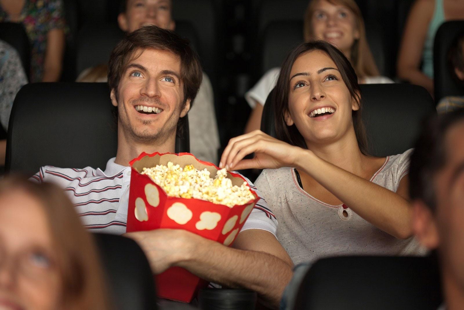 Lịch sử của món bỏng ngô trong rạp chiếu phim