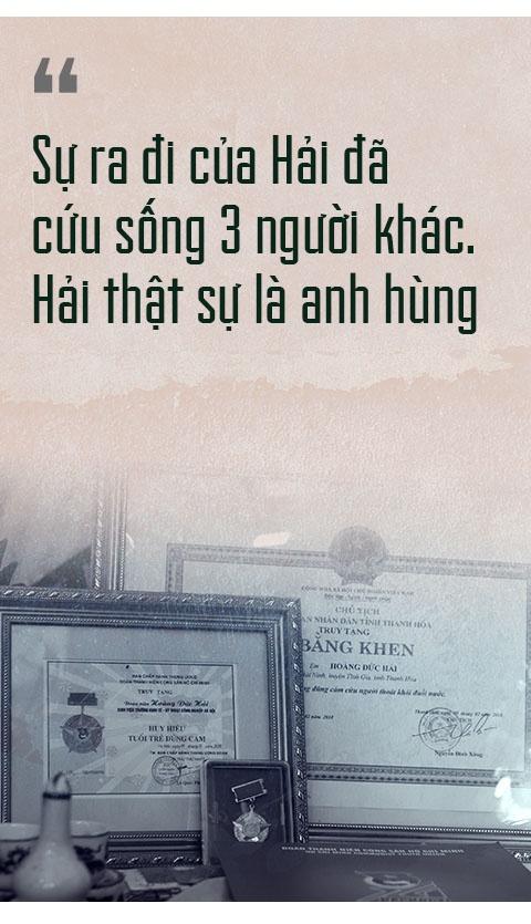 Ngay cuoi nam buon ben dong song Ghep hinh anh 9
