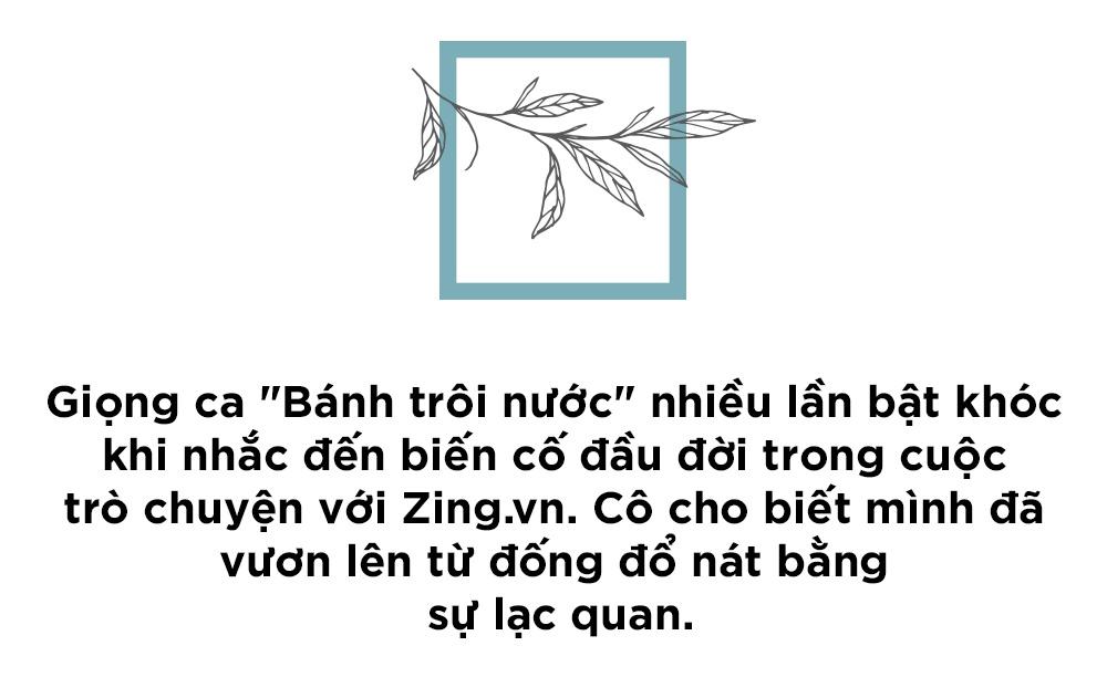 Hoang Thuy Linh khoc vi mang ban an 10 nam qua anh 2