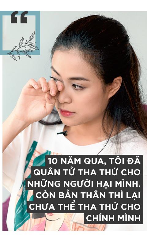 Hoang Thuy Linh khoc vi mang ban an 10 nam qua anh 7