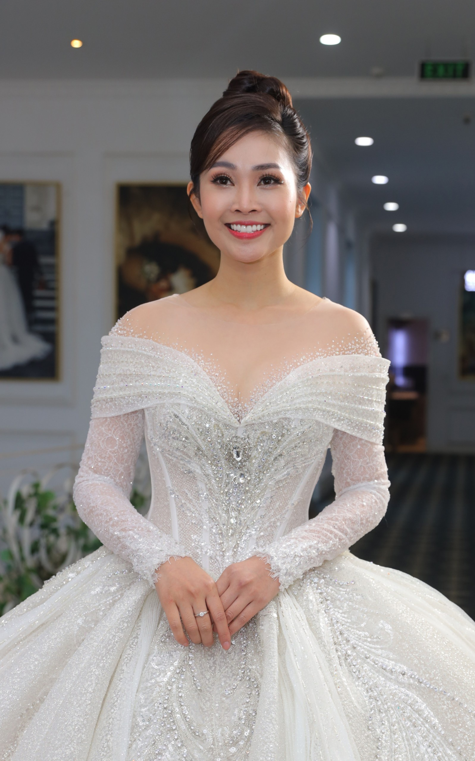 MC Thuy Linh cuoi anh 5