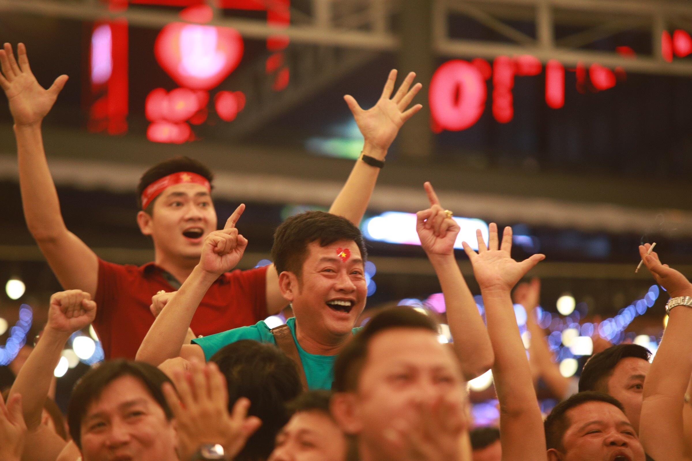 Viet Nam vs Thai Lan anh 8