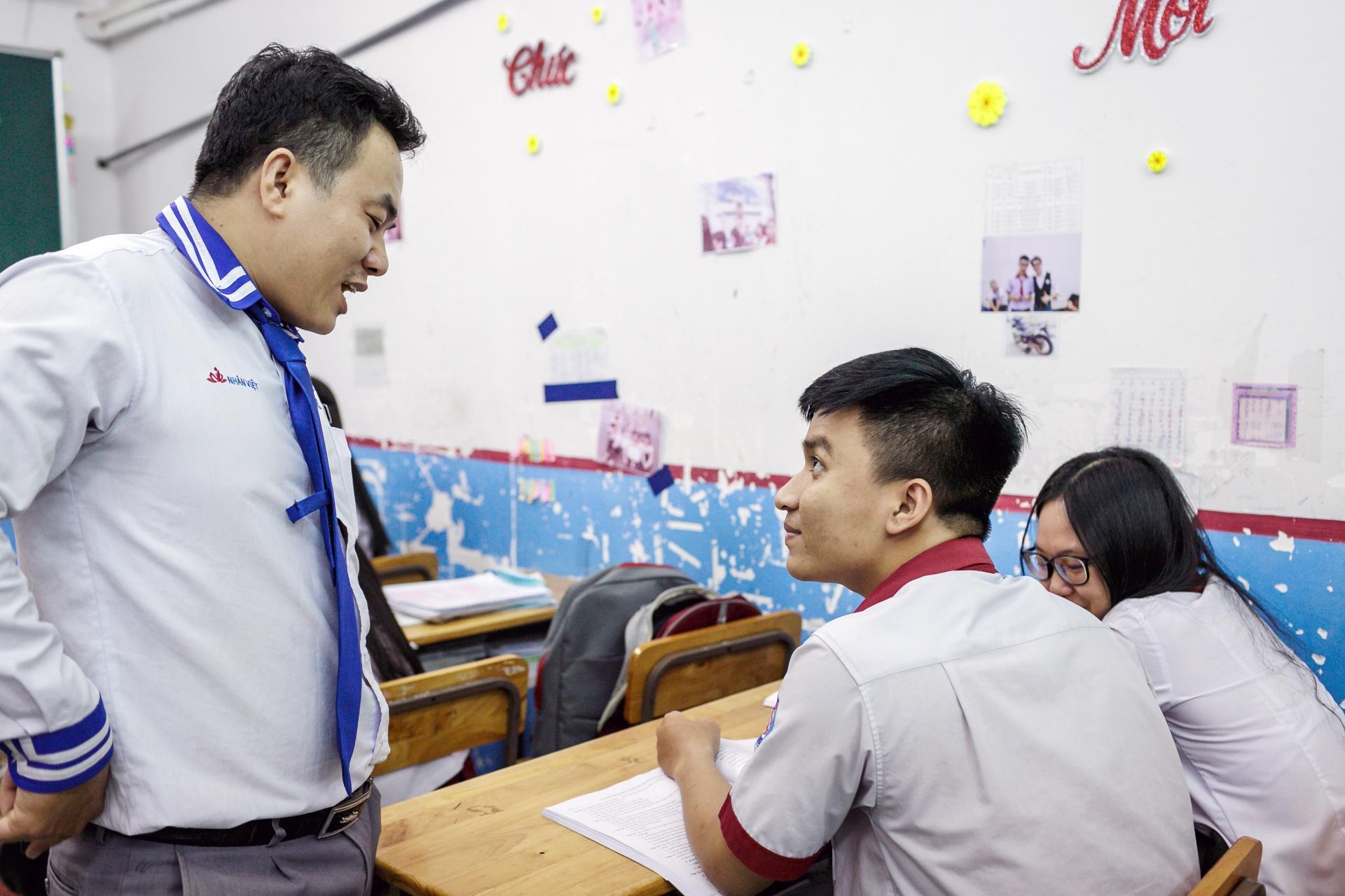 Quay cuong chinh phuc giang duong dai hoc hinh anh 32