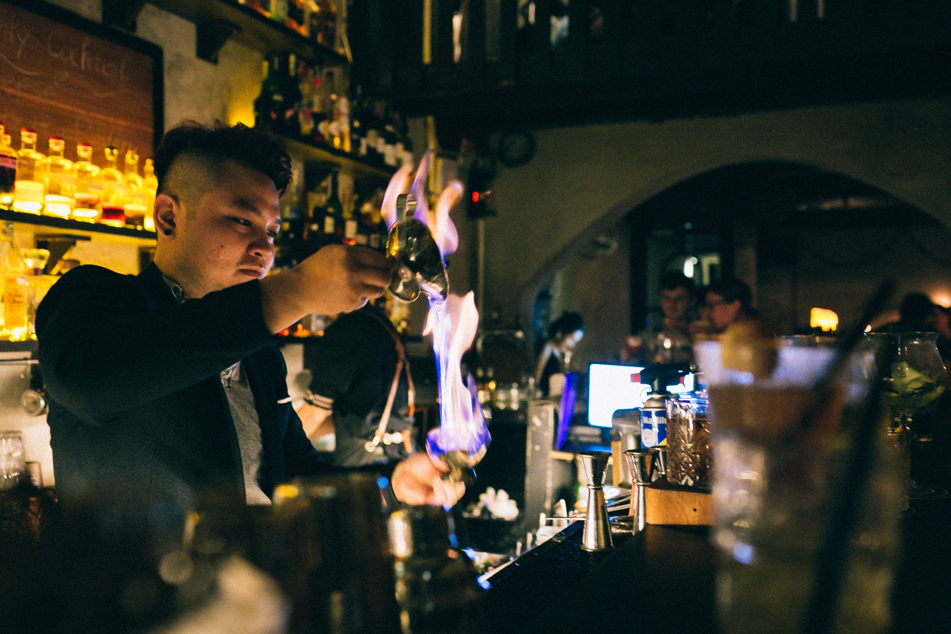 Mot dem cua anh chang bartender Sai Gon hinh anh 25