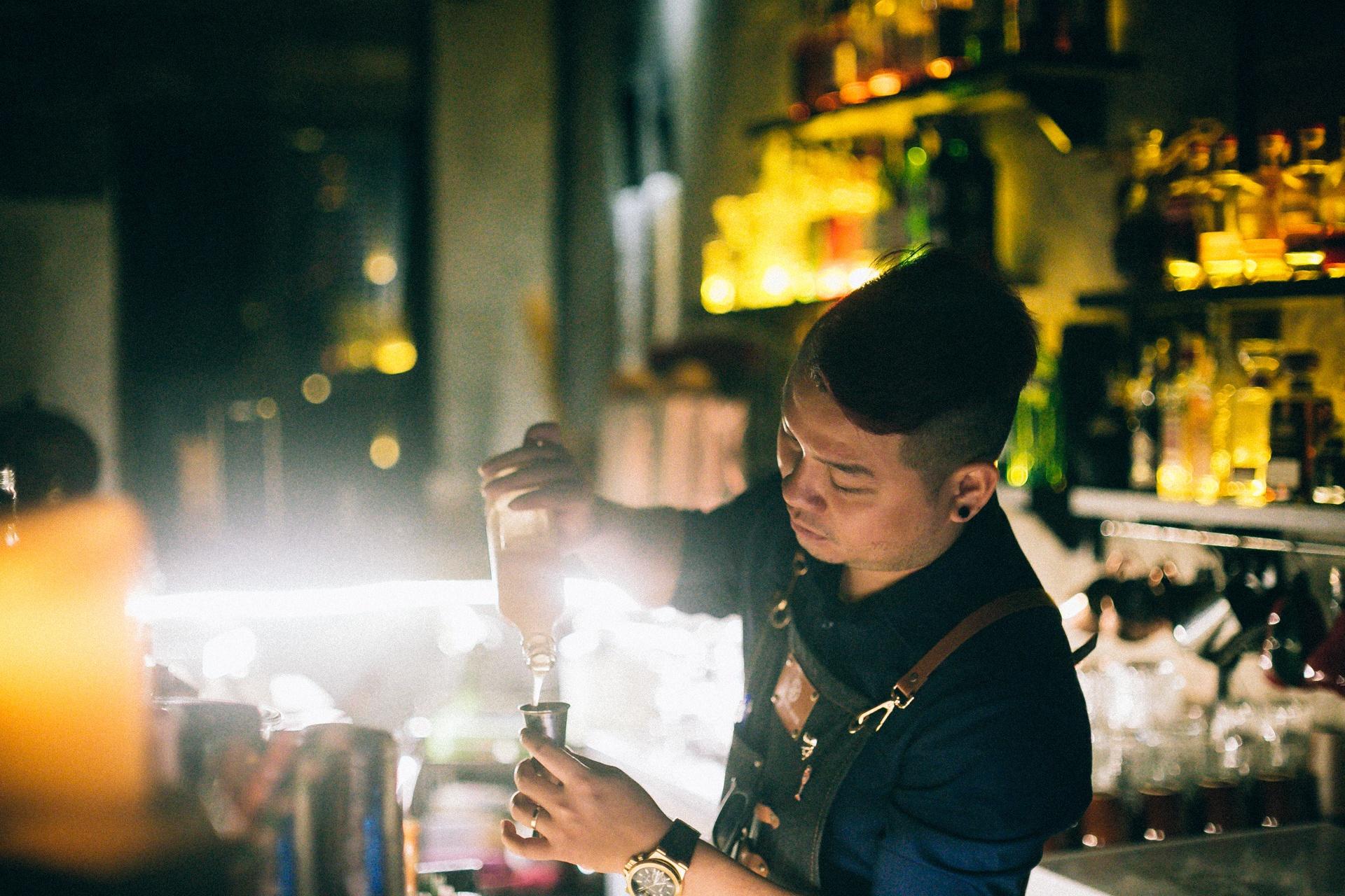 Mot dem cua anh chang bartender Sai Gon hinh anh 3