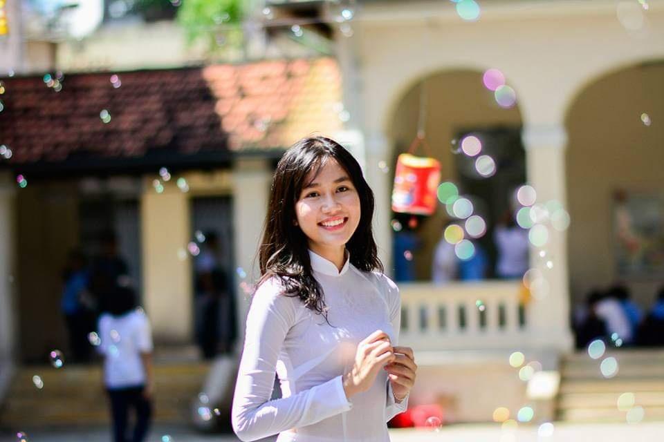 a hau Phuong Anh anh 5