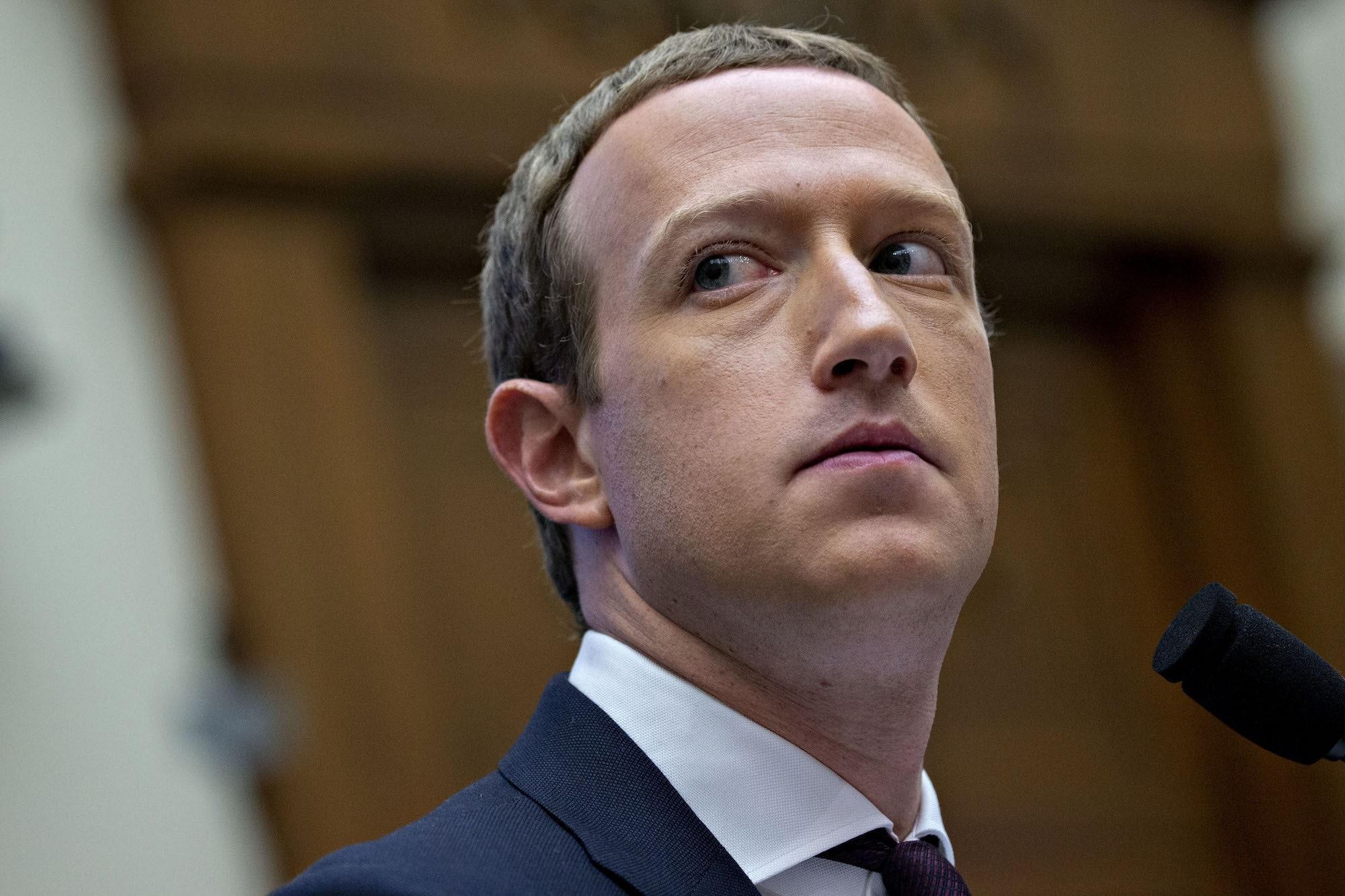 My kien Facebook canh tranh khong lanh manh anh 1