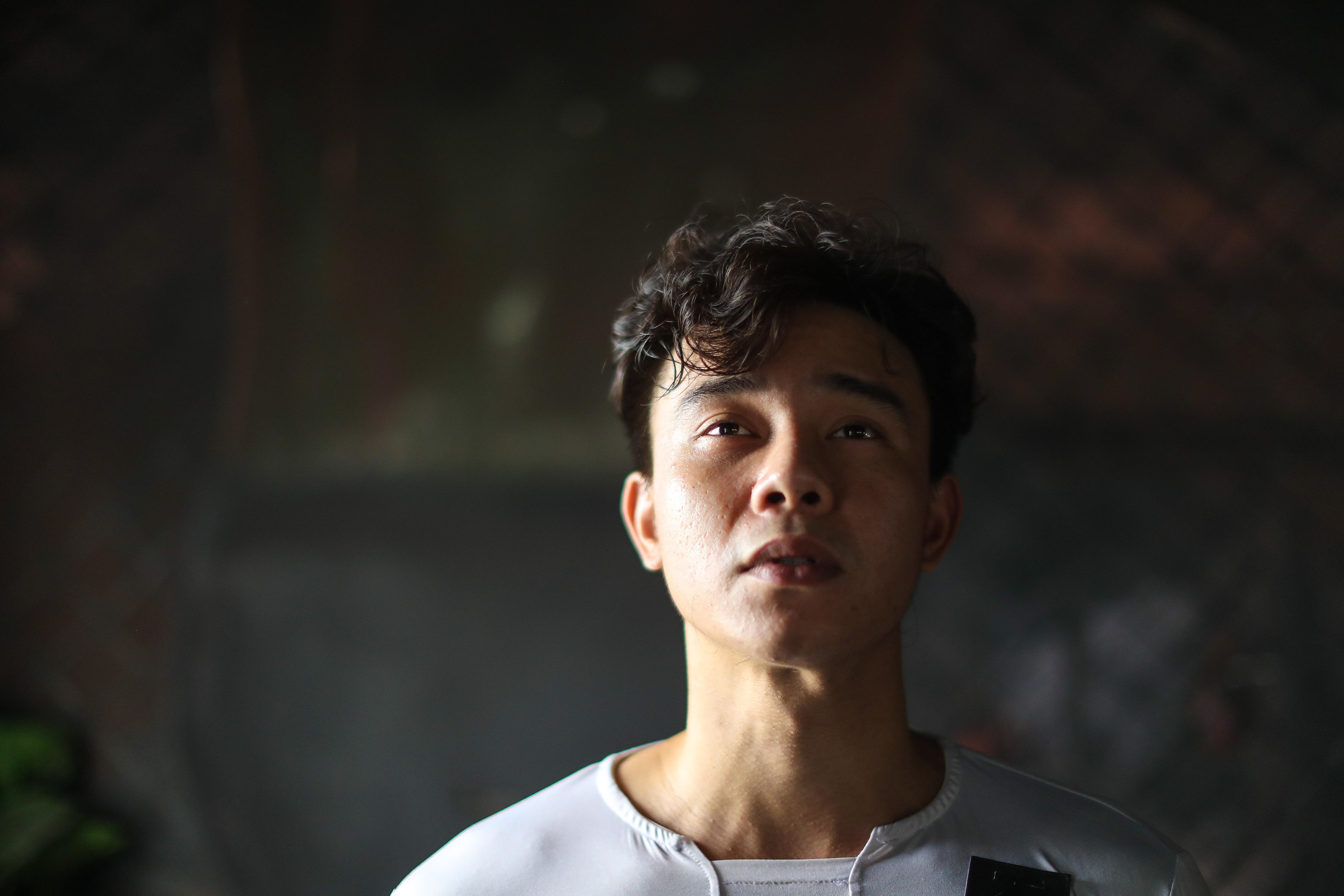 Dong Hung: 'Khoc giua dam dong, khong ai khoc cung minh' hinh anh 3