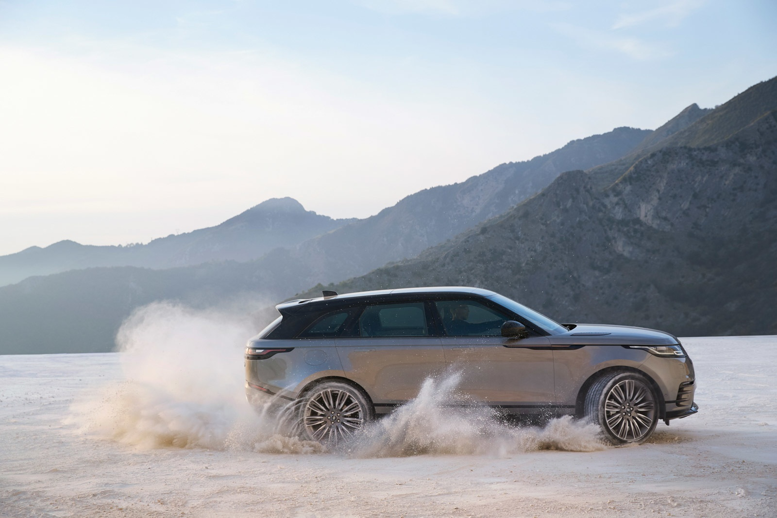 Range Rover Velar anh 7
