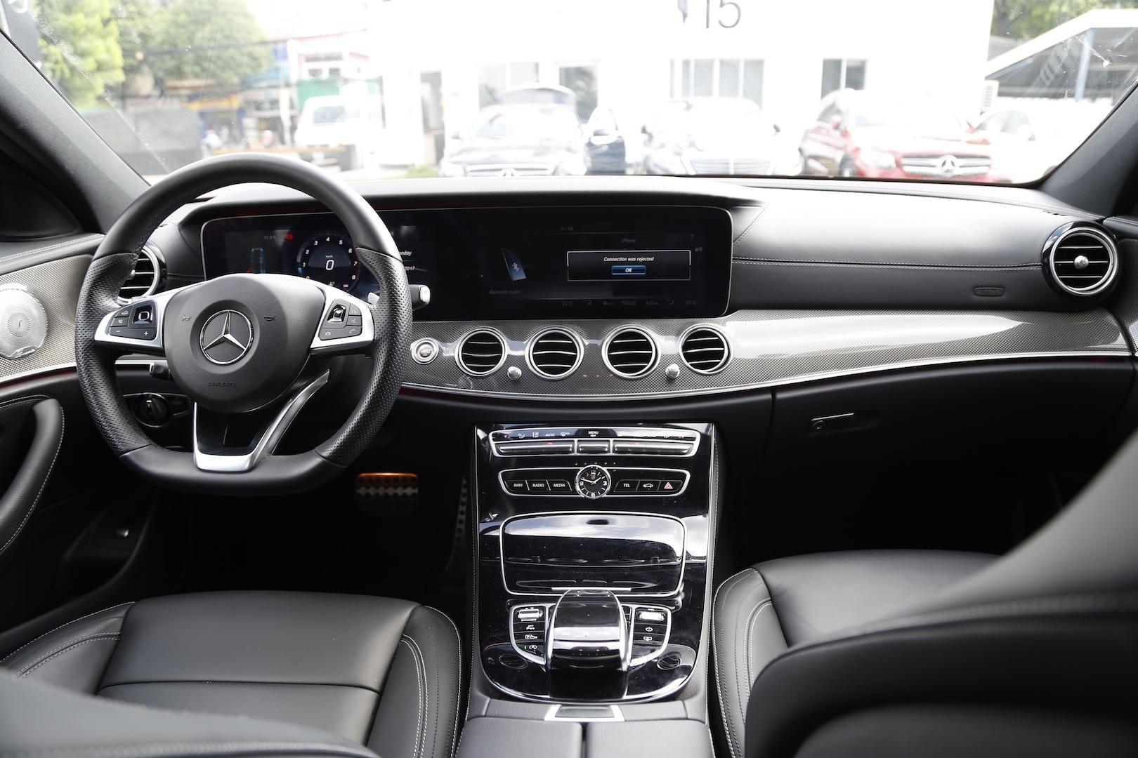 Danh gia Mercedes E300 AMG tai Viet Nam anh 12
