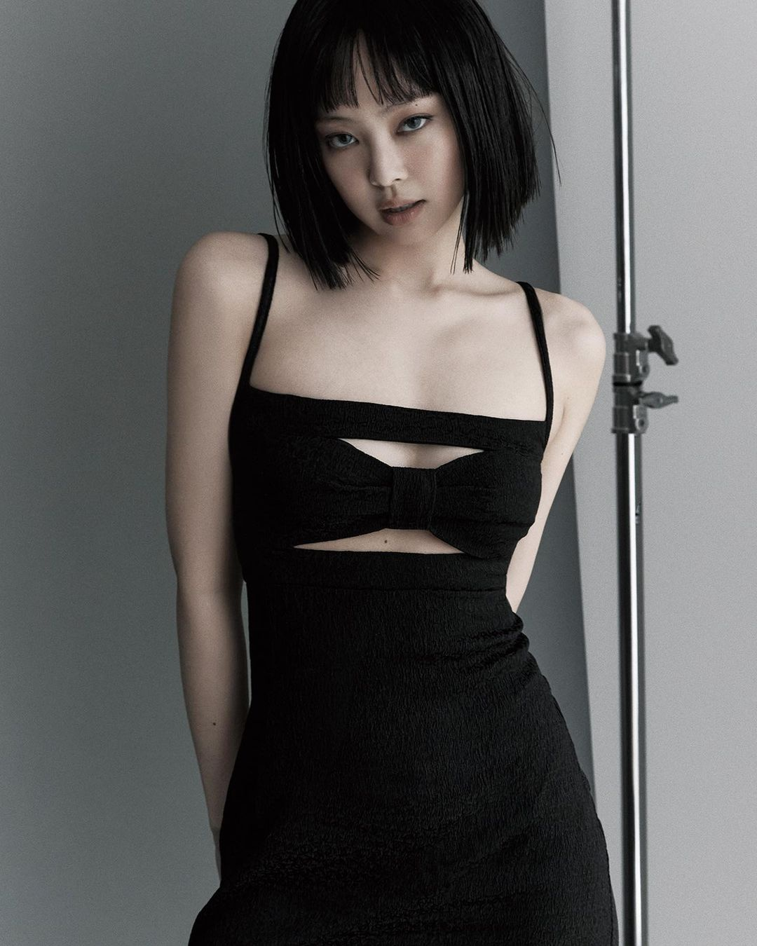Jennie  de toc ngan anh 3