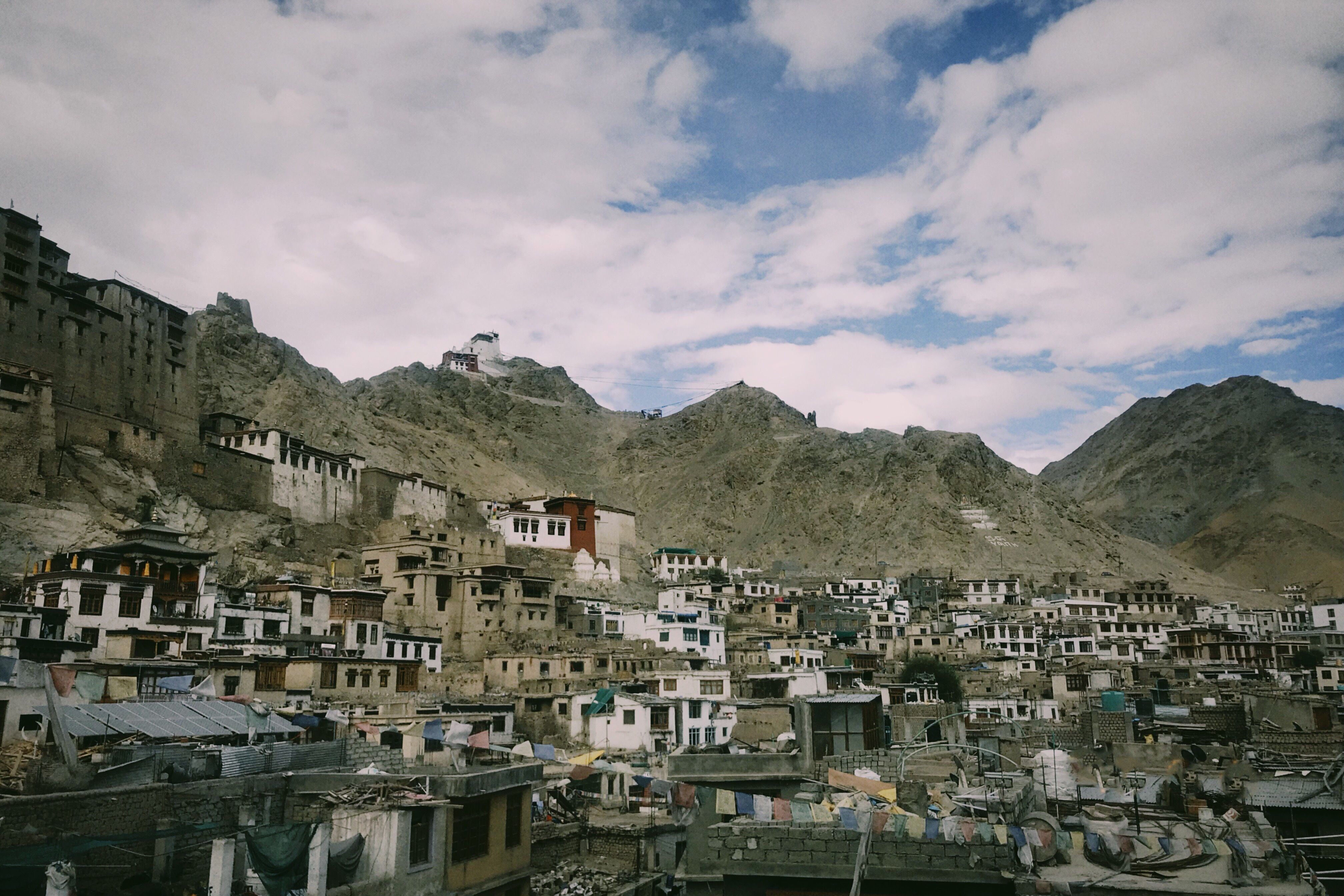 Duong den Ladakh - hanh trinh danh cho nhung doi chan khong biet moi hinh anh 21