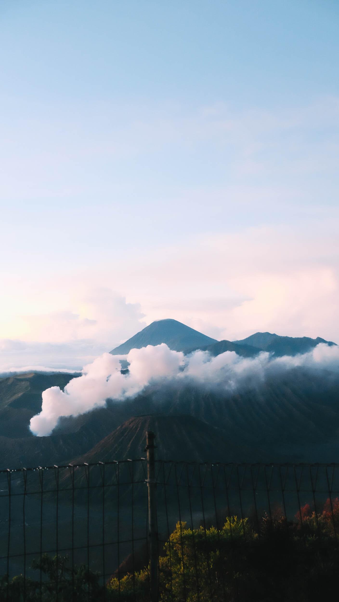 Nui lua Bromo,  Indonesia anh 40