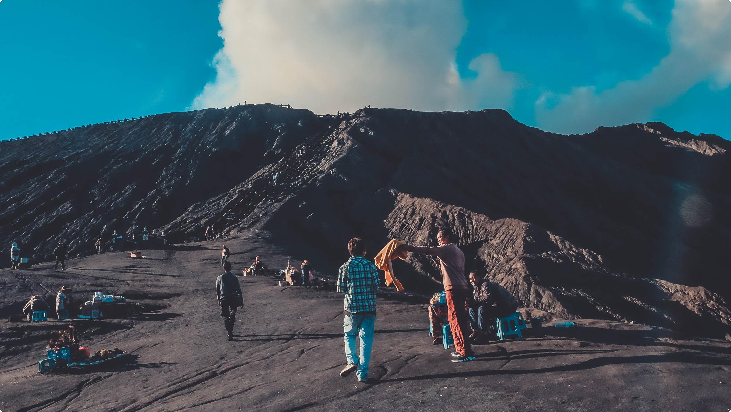 Nui lua Bromo,  Indonesia anh 17