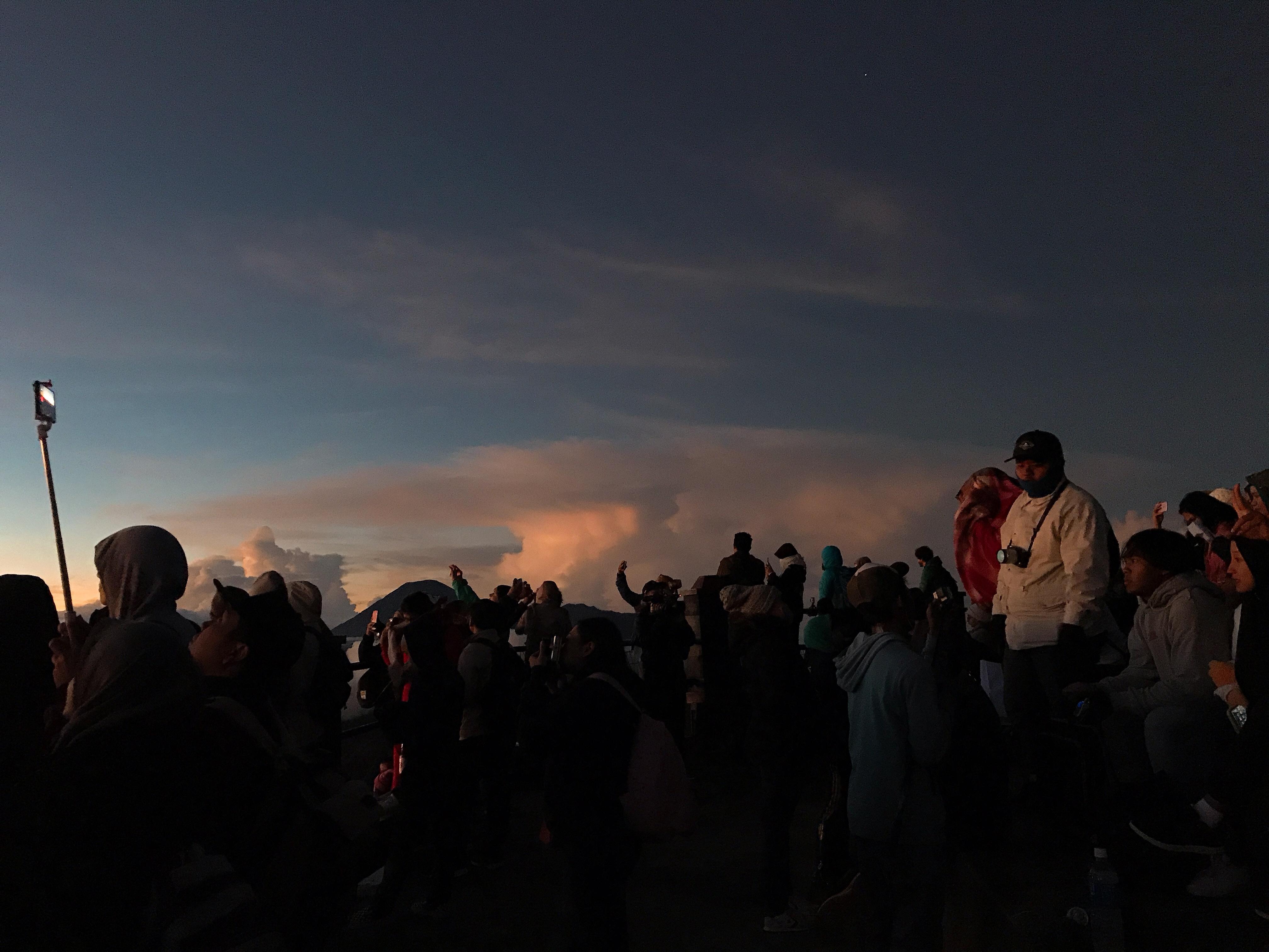 Nui lua Bromo,  Indonesia anh 47