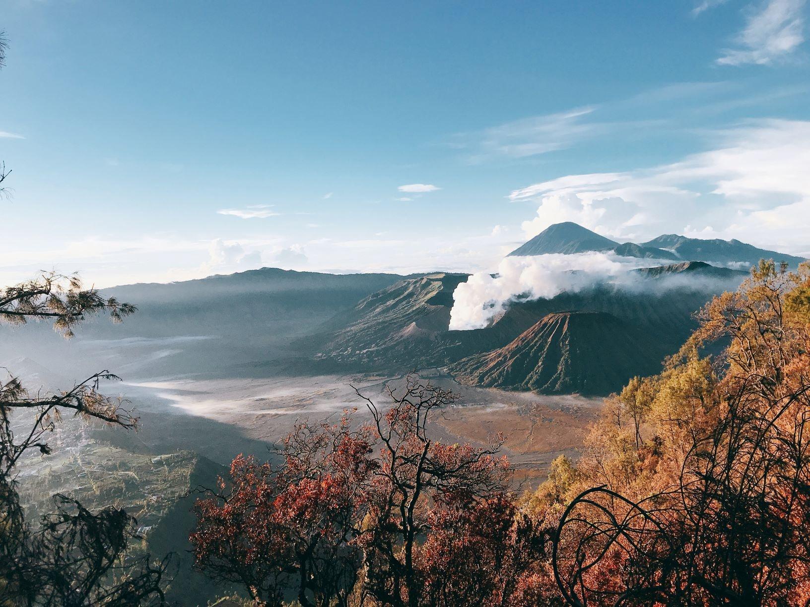 Nui lua Bromo,  Indonesia anh 55
