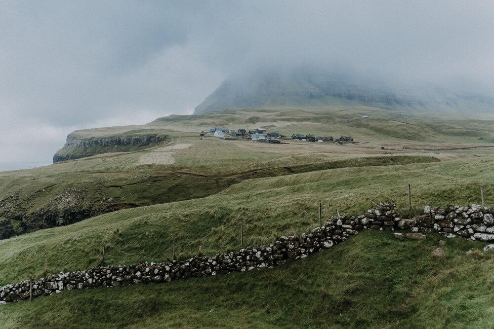 Cuoc song giau co o hon dao quanh nam mua bao hinh anh 12 Tu_Nguyen_Destination_Wedding_Photographer_Faroe_Islands_Elopement_Fiona_Alexia_218.jpg