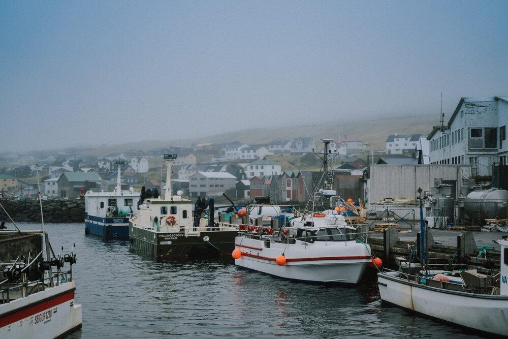 Cuoc song giau co o hon dao quanh nam mua bao hinh anh 8 Tu_Nguyen_Destination_Wedding_Photographer_Faroe_Islands_Elopement_Fiona_Alexia_231.jpg
