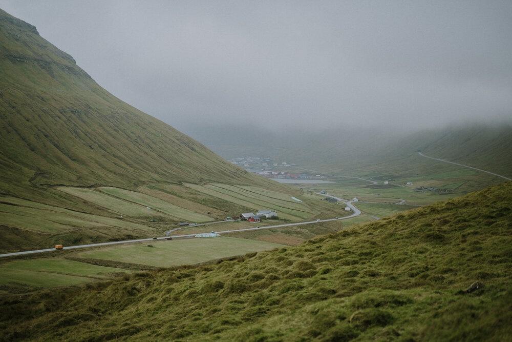 Cuoc song giau co o hon dao quanh nam mua bao hinh anh 13 Tu_Nguyen_Destination_Wedding_Photographer_Faroe_Islands_Elopement_Fiona_Alexia_322.jpg